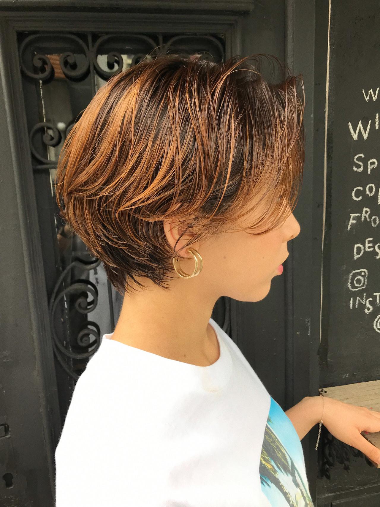 ショート オレンジ ハイトーン 抜け感 ヘアスタイルや髪型の写真・画像