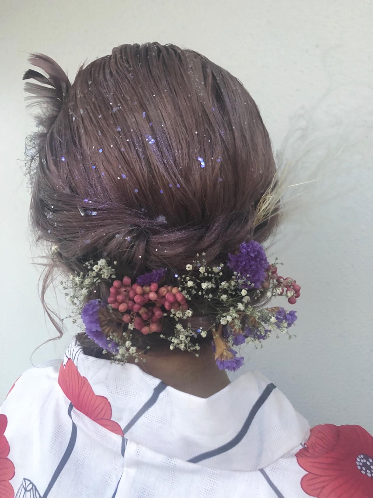 セミロング 成人式 ガーリー ドライフラワー ヘアスタイルや髪型の写真・画像