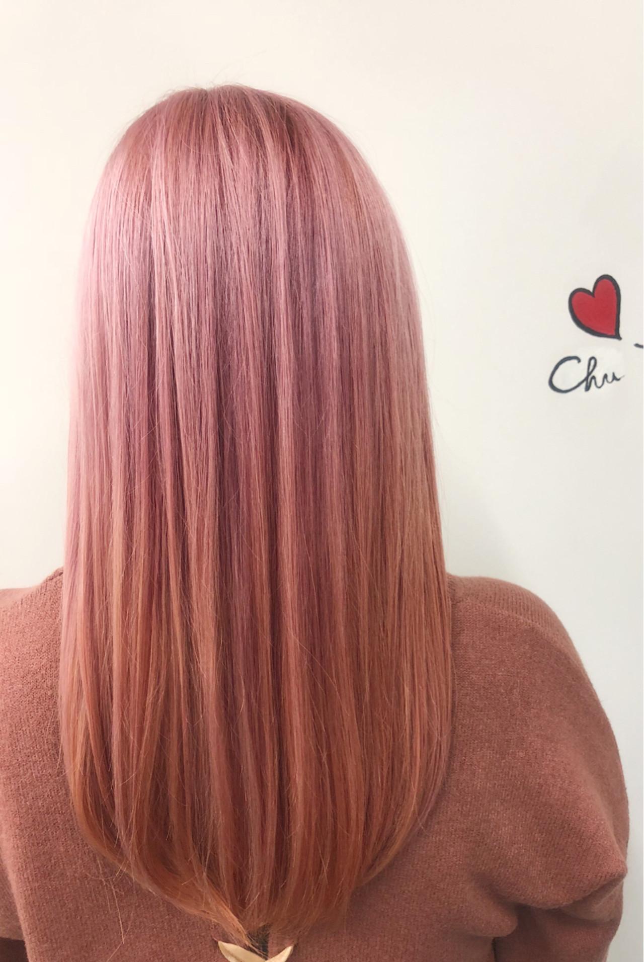 ブリーチ ロング ピンク ガーリー ヘアスタイルや髪型の写真・画像 | 砂川 航 / CYNDY color salon