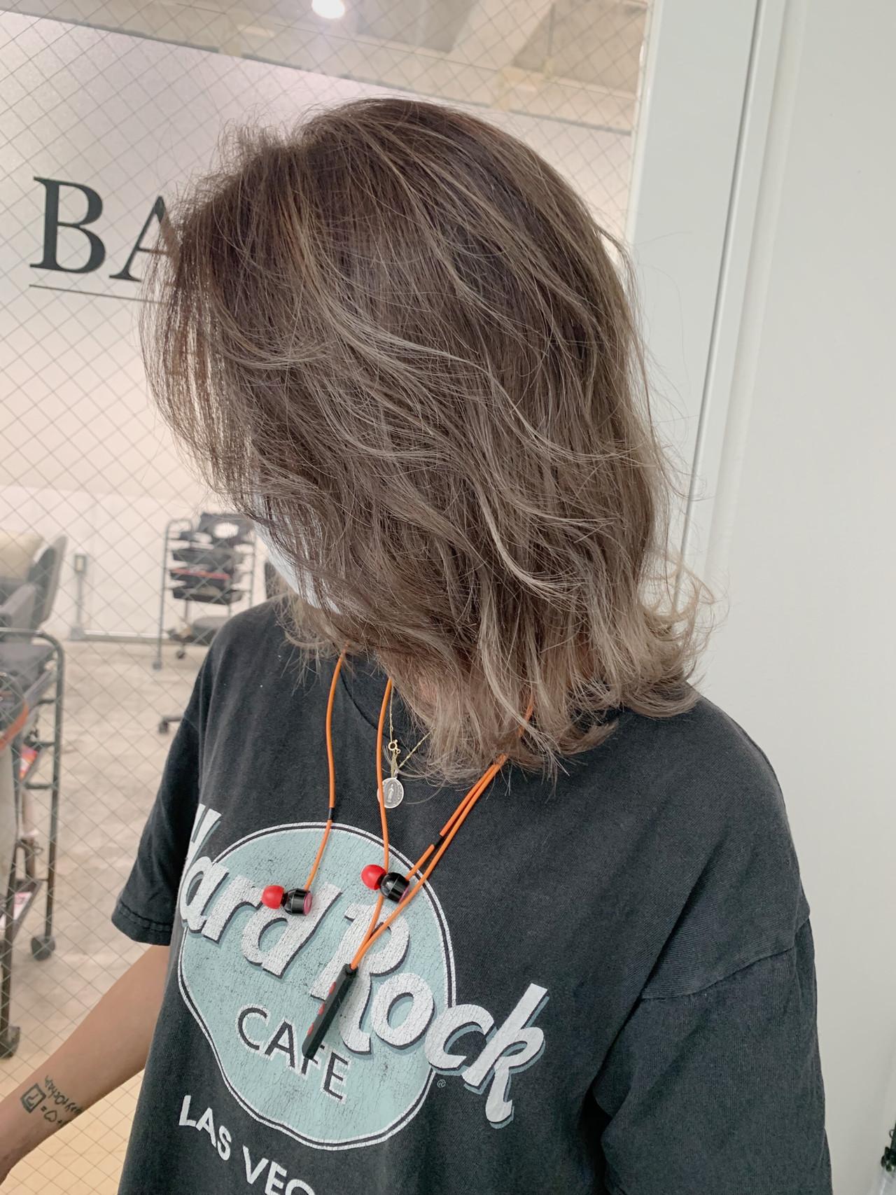 ハイライト 成人式 ナチュラル ミディアム ヘアスタイルや髪型の写真・画像