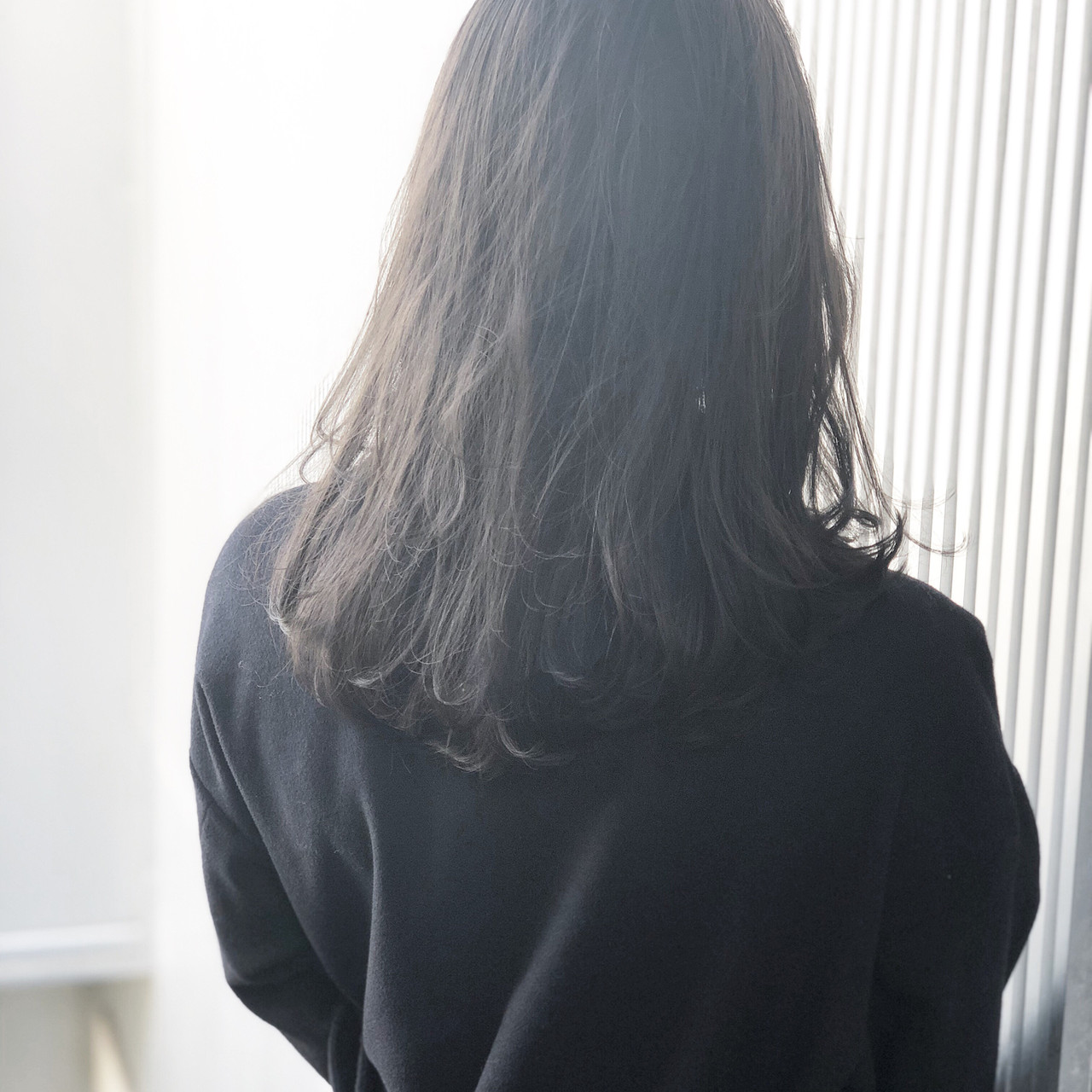 前髪 アンニュイほつれヘア アッシュ グレージュ ヘアスタイルや髪型の写真・画像