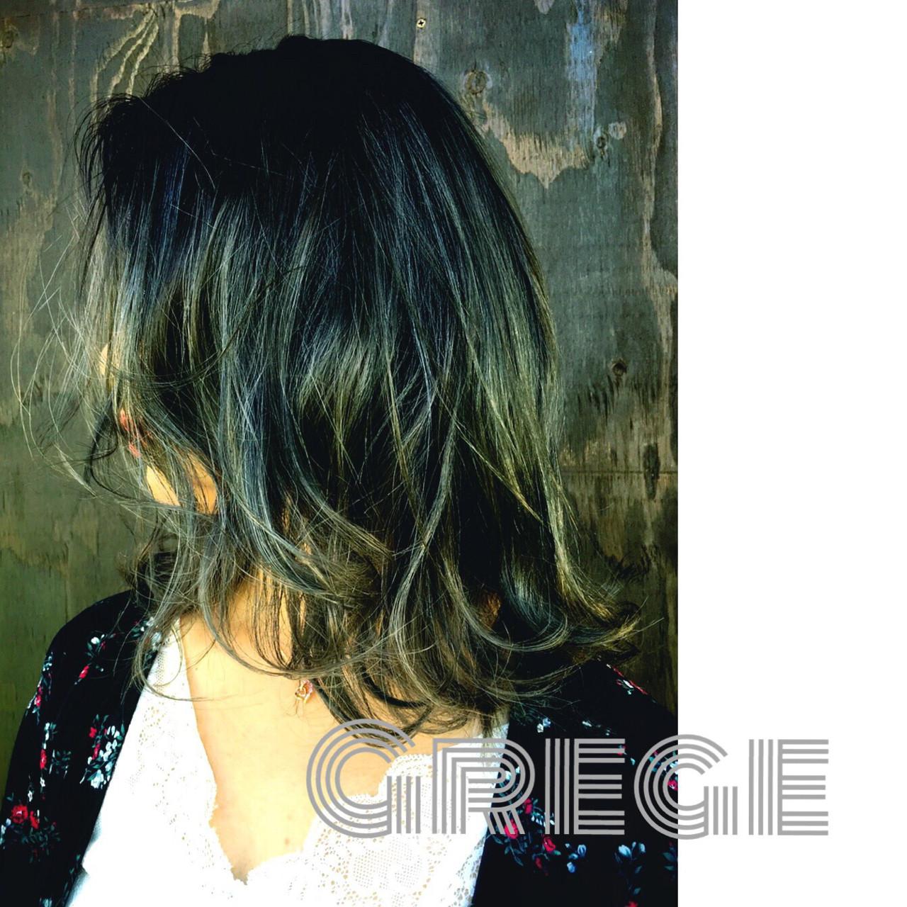 セミロング ストレート 透明感 秋 ヘアスタイルや髪型の写真・画像