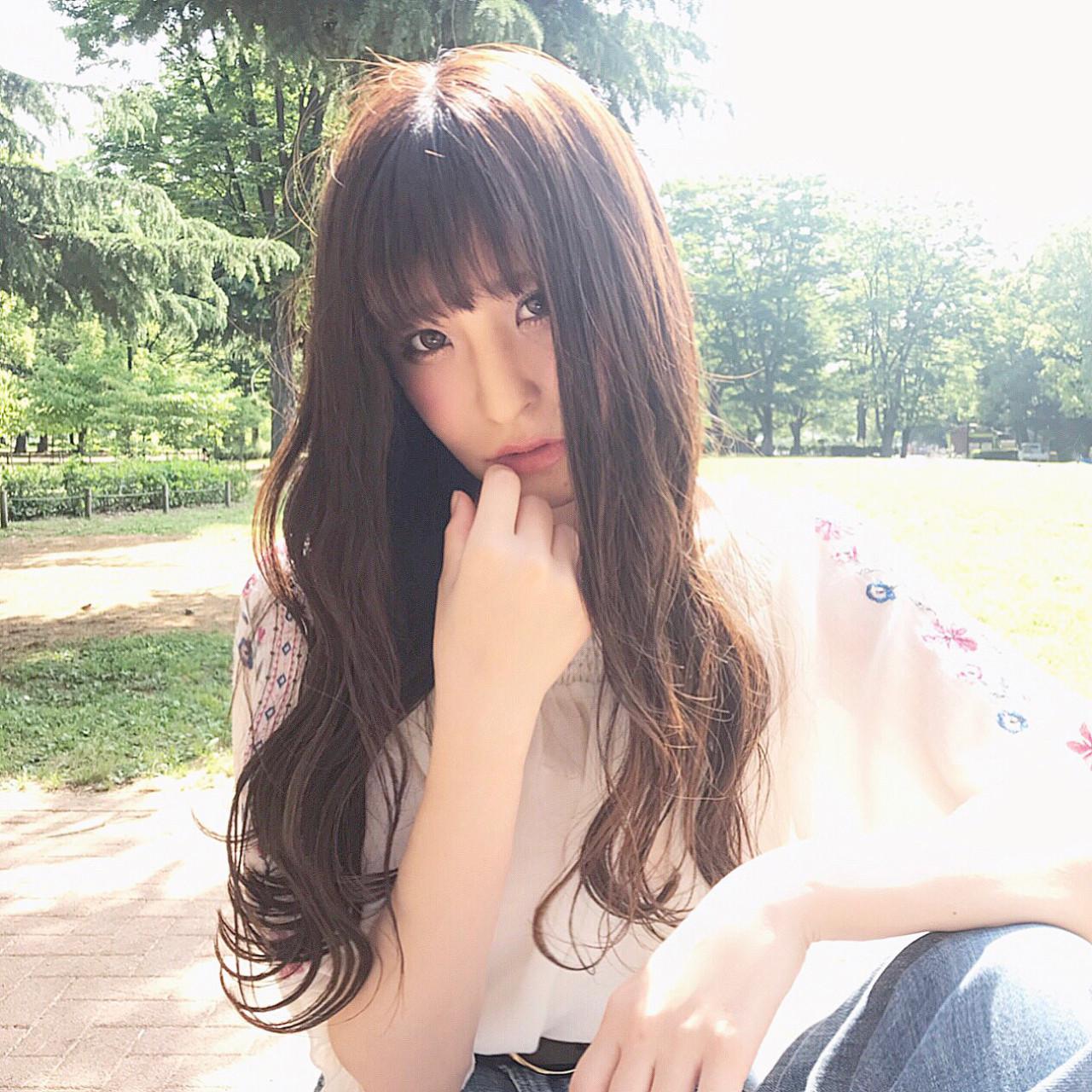 フェミニン ロング アッシュ アンニュイ ヘアスタイルや髪型の写真・画像 | 落合 健二 / hair ales