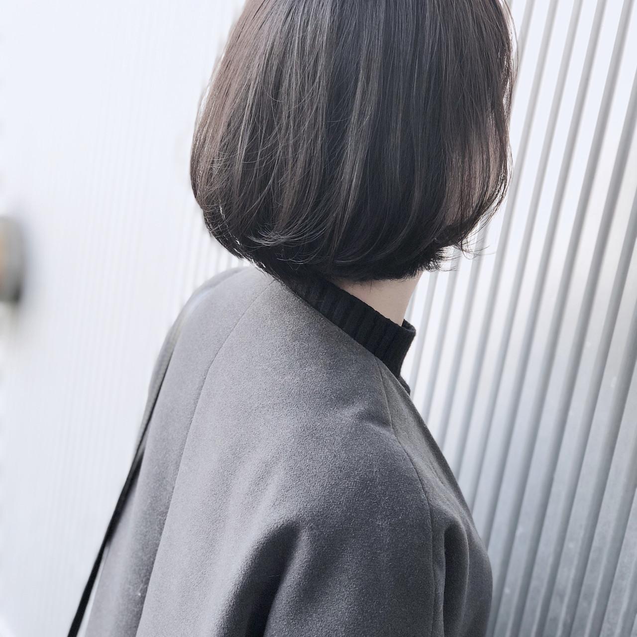 ナチュラル ショート アッシュ 前髪あり ヘアスタイルや髪型の写真・画像 | 萩原 翔志也/ブリーチなしグレージュ/ストレート / Vicca 青山