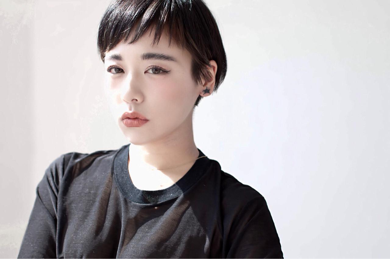 黒髪ショートの清楚さが人気。愛されヘアスタイルをつくろう  ami[e] 藤原尚人