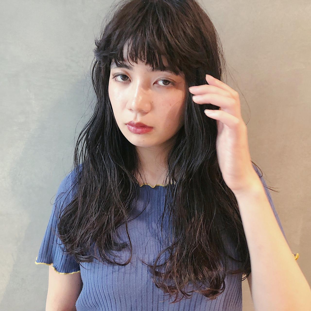 デート アンニュイほつれヘア ナチュラル 大人ミディアム ヘアスタイルや髪型の写真・画像