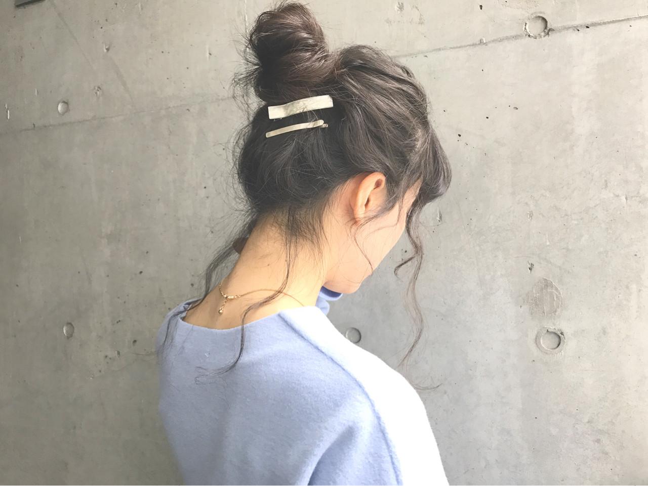 ヘアアレンジ ロング ナチュラル お団子 ヘアスタイルや髪型の写真・画像