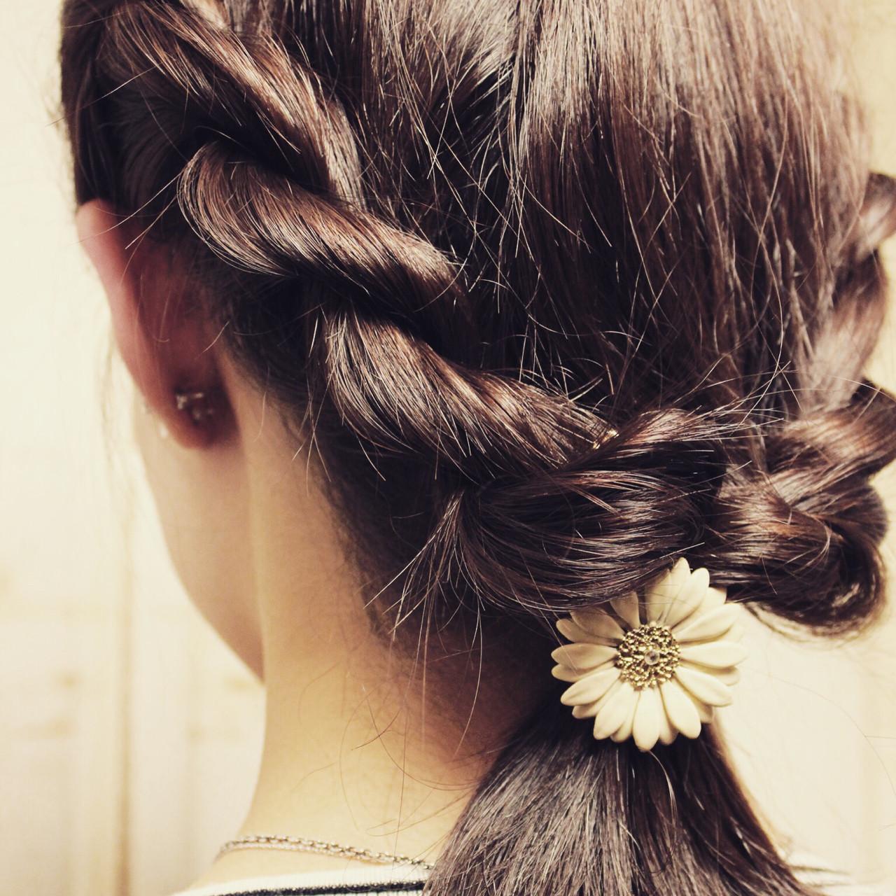 ツイスト 簡単ヘアアレンジ 大人かわいい 編み込み ヘアスタイルや髪型の写真・画像