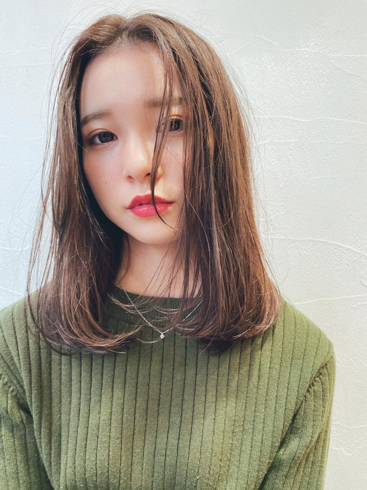 ガーリー 透け感 ベージュ ハイライト ヘアスタイルや髪型の写真・画像