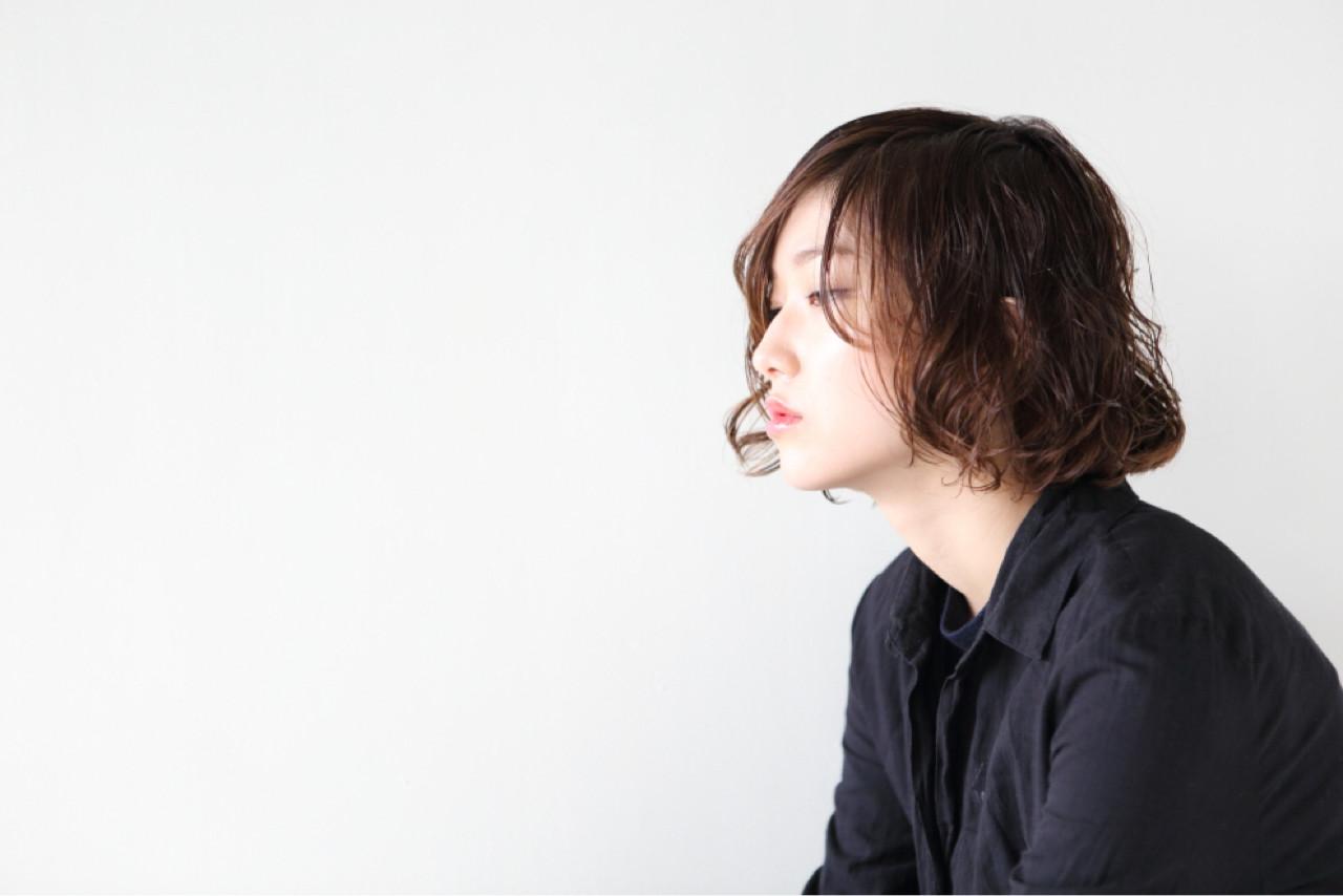 オフィス 抜け感 ロブ ミディアム ヘアスタイルや髪型の写真・画像 | 大平 秀剛 / bridge