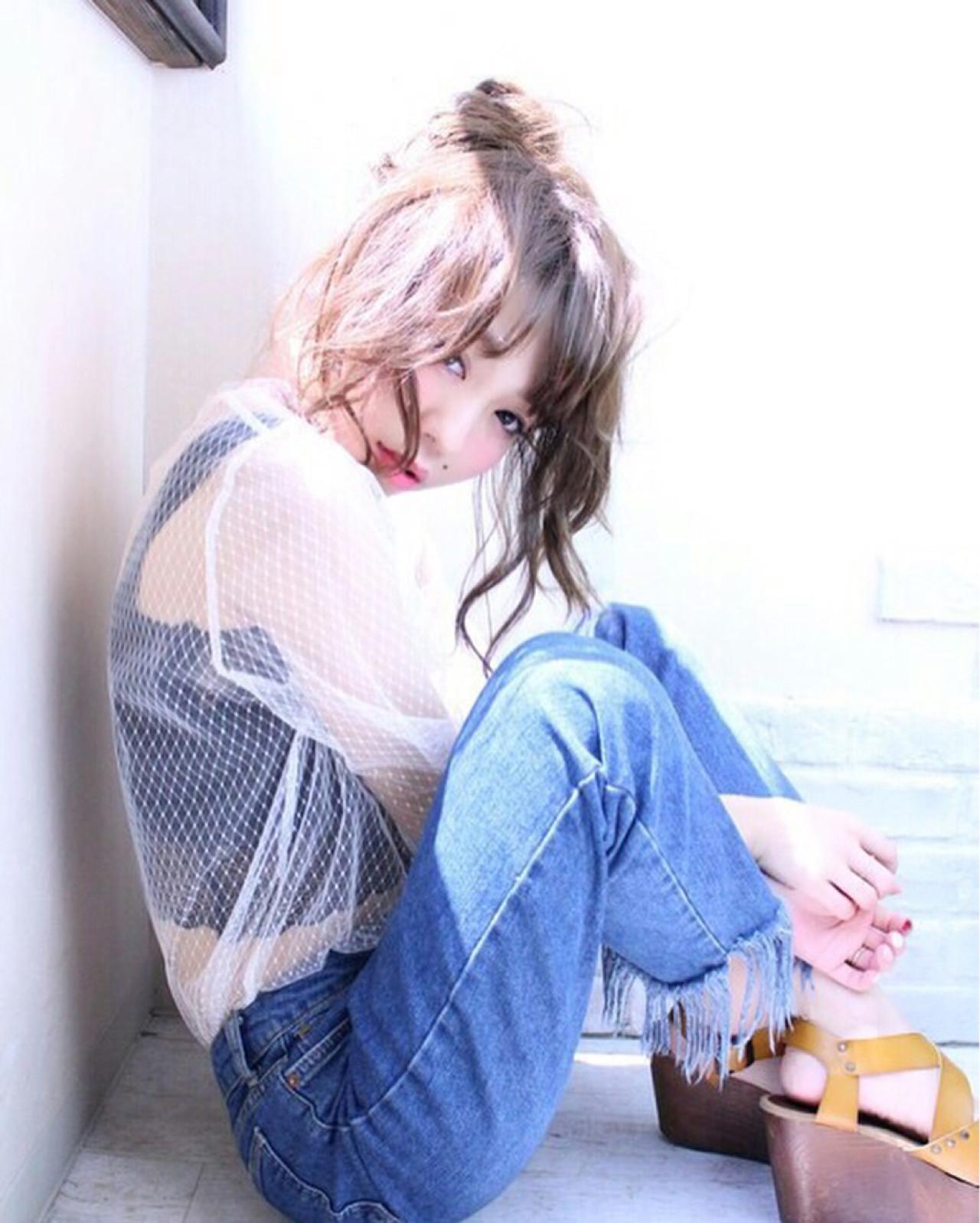 簡単ヘアアレンジ 外国人風 セミロング フェミニン ヘアスタイルや髪型の写真・画像