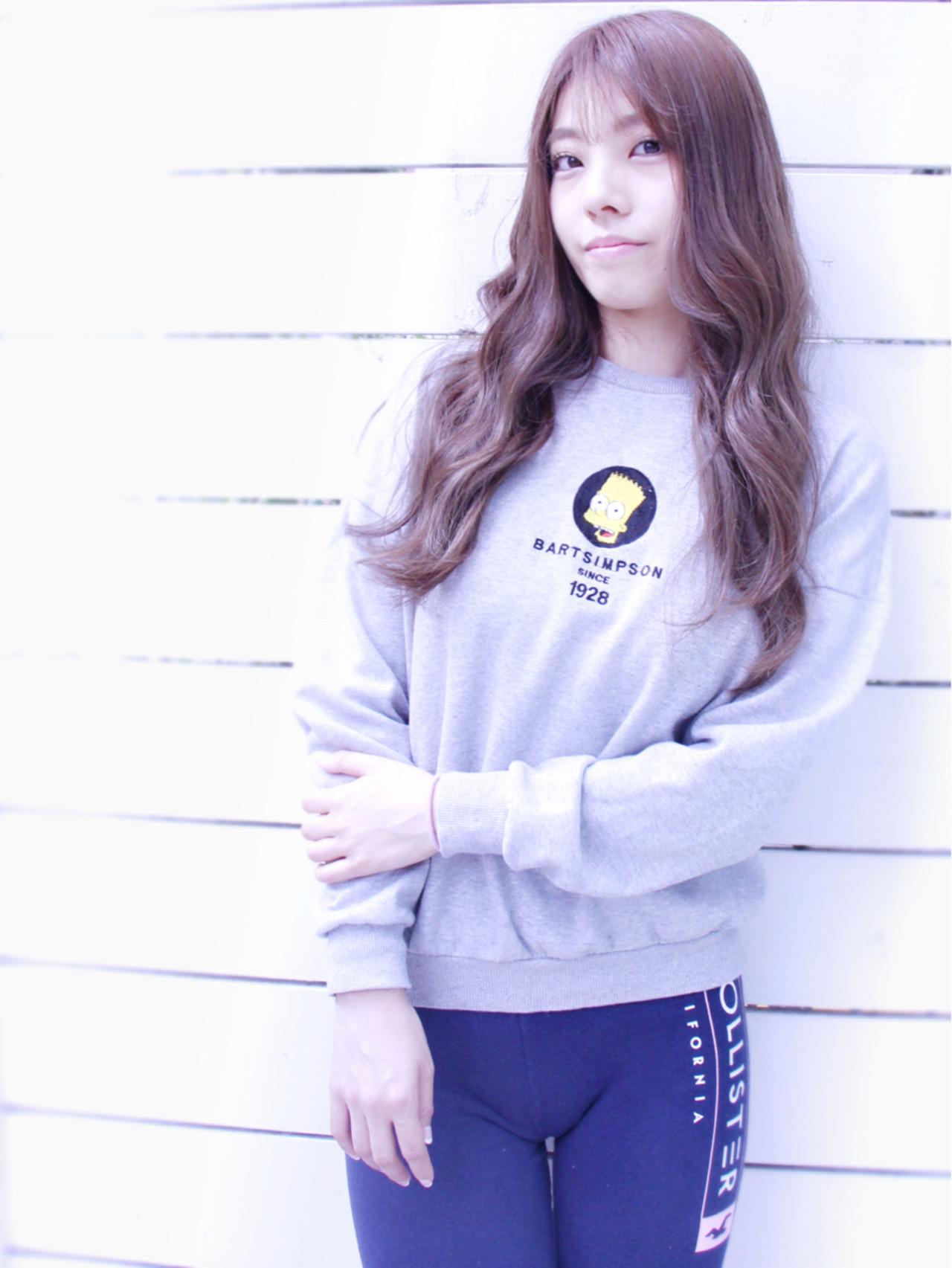 抜け感 グラデーションカラー ゆるふわ 大人女子 ヘアスタイルや髪型の写真・画像
