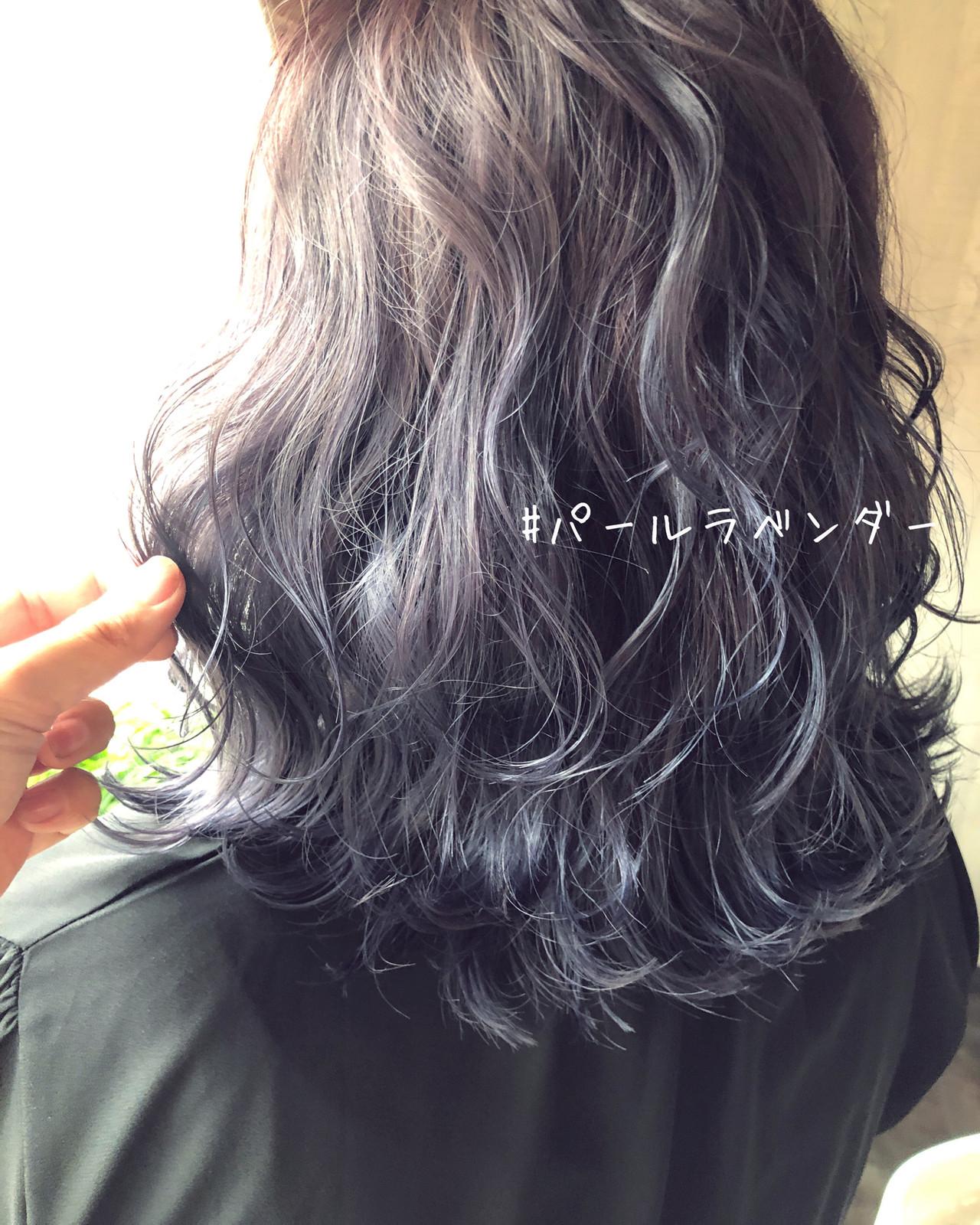 バレイヤージュ ナチュラル ミディアム 秋冬スタイル ヘアスタイルや髪型の写真・画像