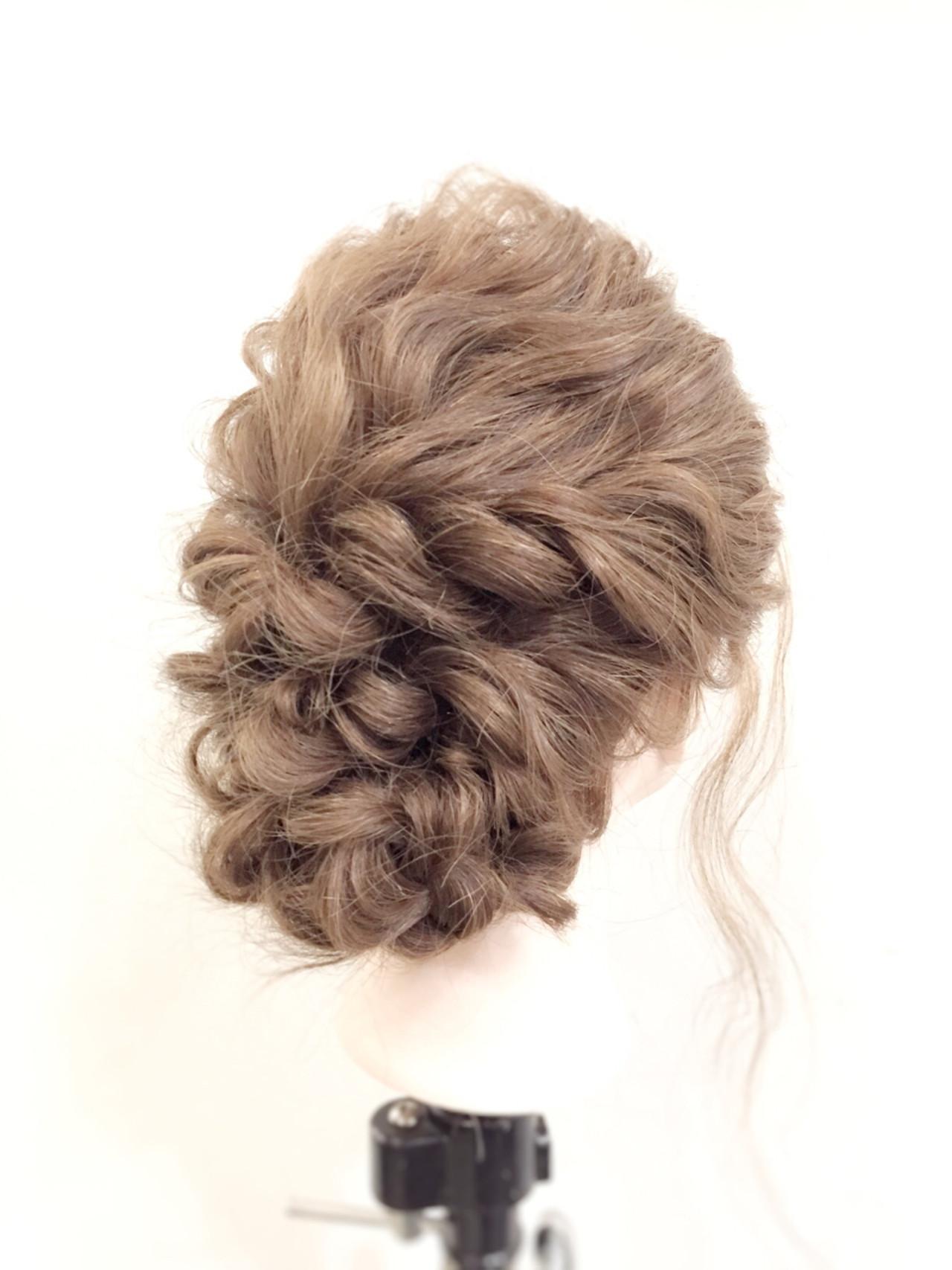 セミロング ロープ編み 大人かわいい ゆるふわ ヘアスタイルや髪型の写真・画像