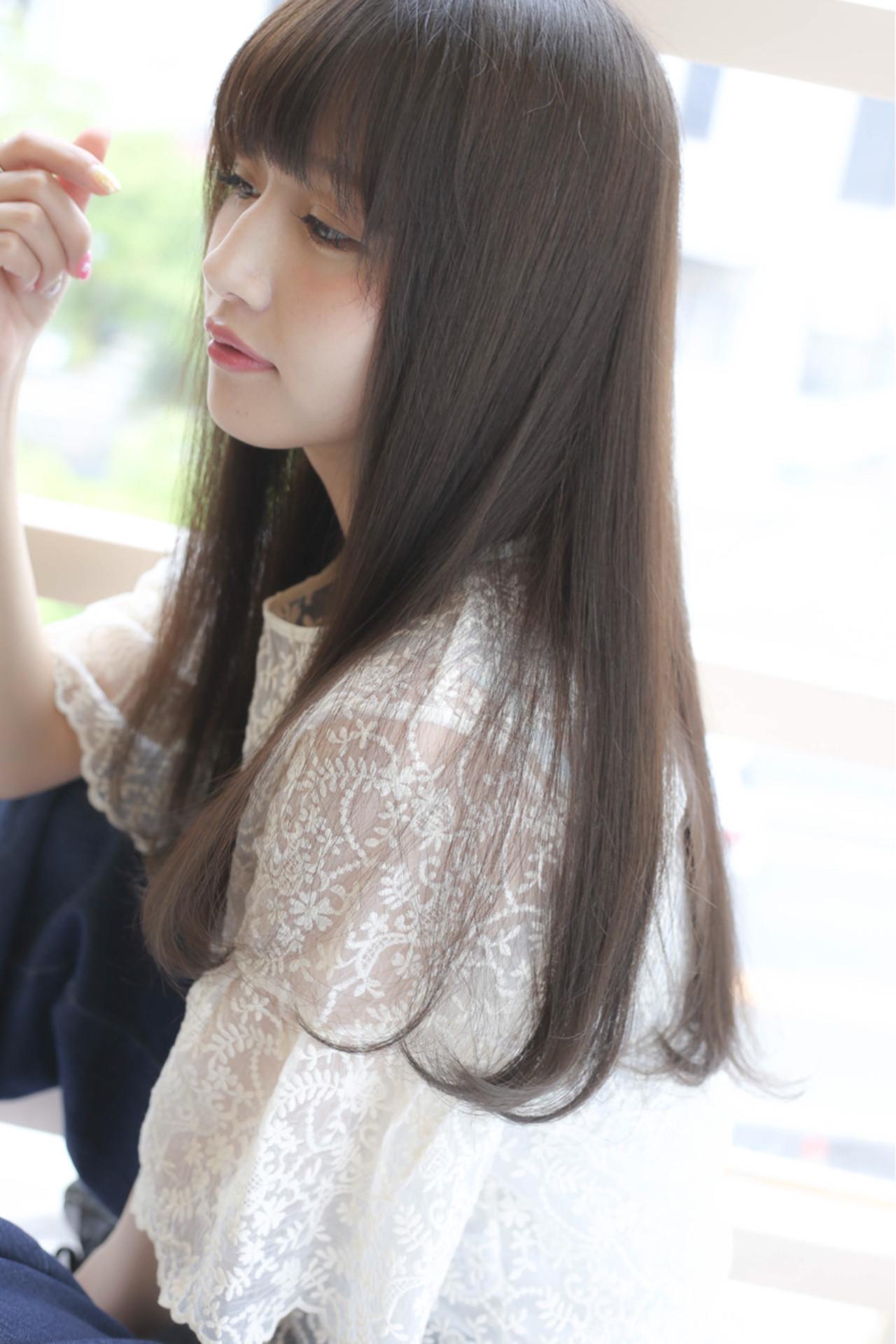 ストレート 秋 ロング フェミニン ヘアスタイルや髪型の写真・画像