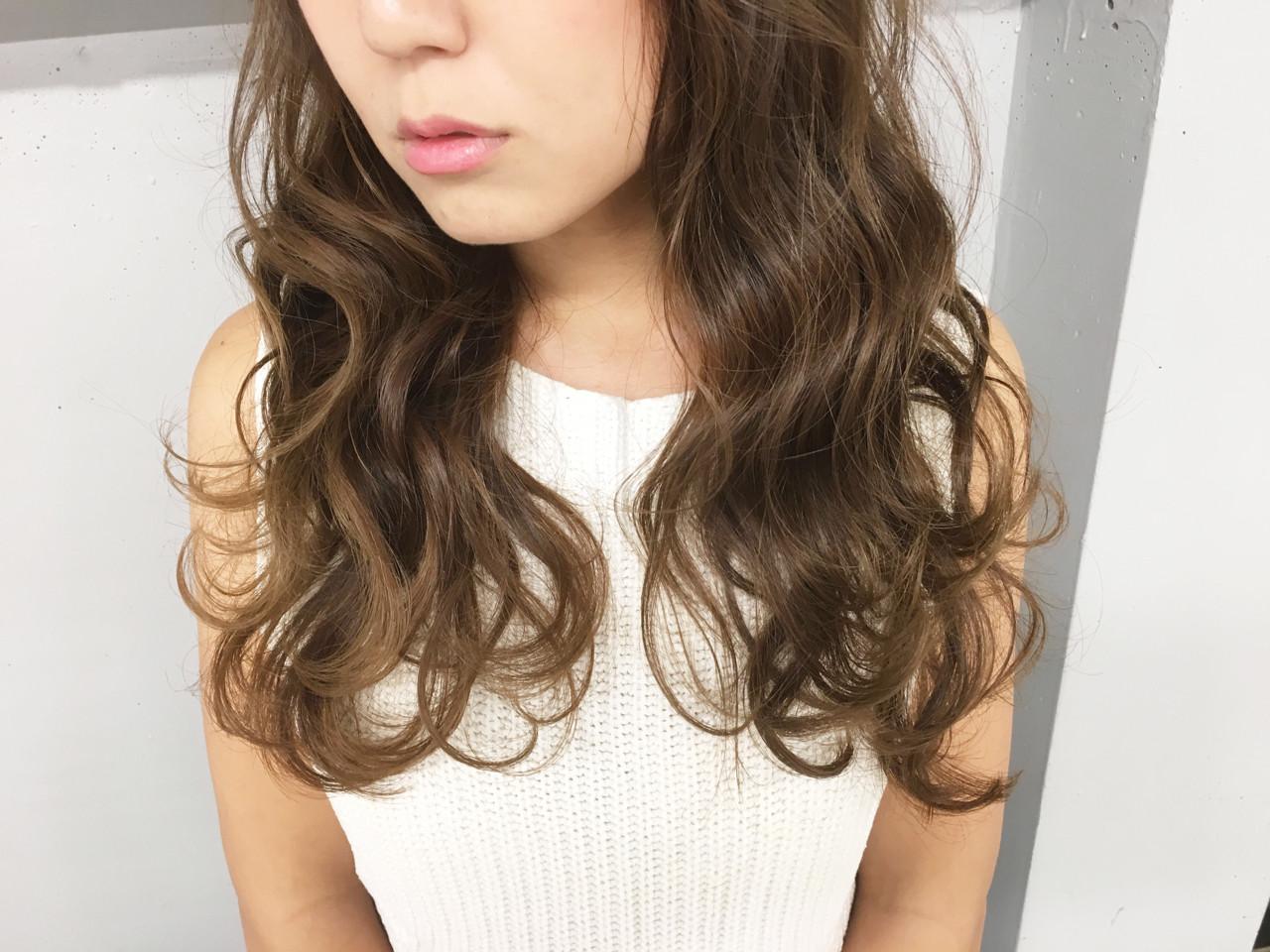 ロング ナチュラル ハイライト 外国人風 ヘアスタイルや髪型の写真・画像   清水 孝純 / Rose