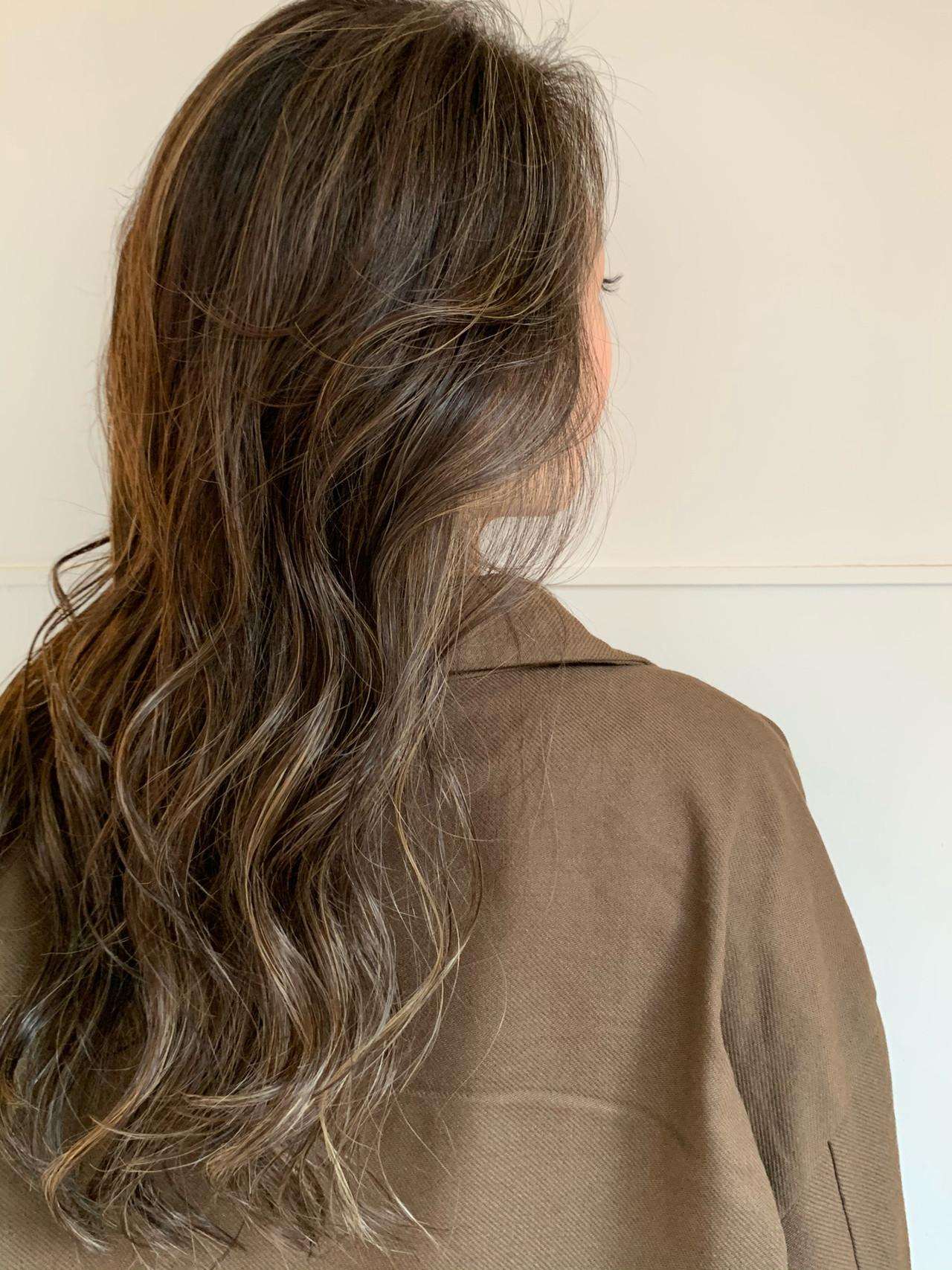 3Dカラー 寒色 ハイライト ロング ヘアスタイルや髪型の写真・画像