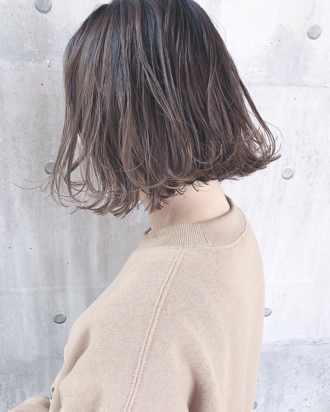 ミルクティーベージュ パーマ ミルクティーグレージュ ミルクティーアッシュ ヘアスタイルや髪型の写真・画像 | 上田智久 / ooit 福岡 天神 / ooit