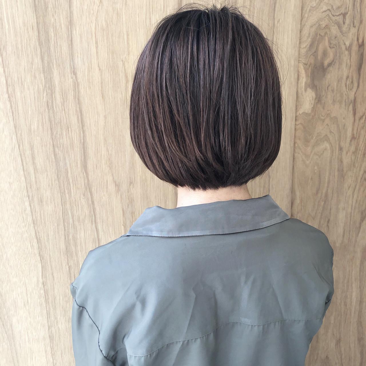 ボブ 外ハネボブ ハンサムショート 切りっぱなしボブ ヘアスタイルや髪型の写真・画像