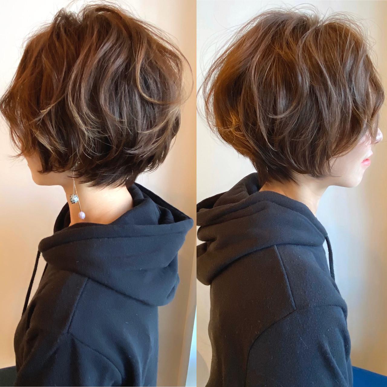 パーマ ハンサムショート ショート フェミニン ヘアスタイルや髪型の写真・画像