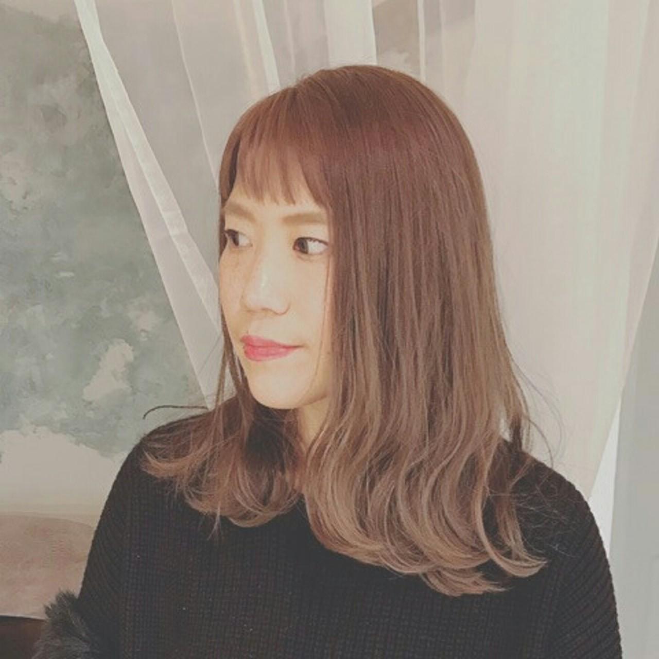 セミロング 色気 上品 ハイライト ヘアスタイルや髪型の写真・画像   浦川由起江 / nanon