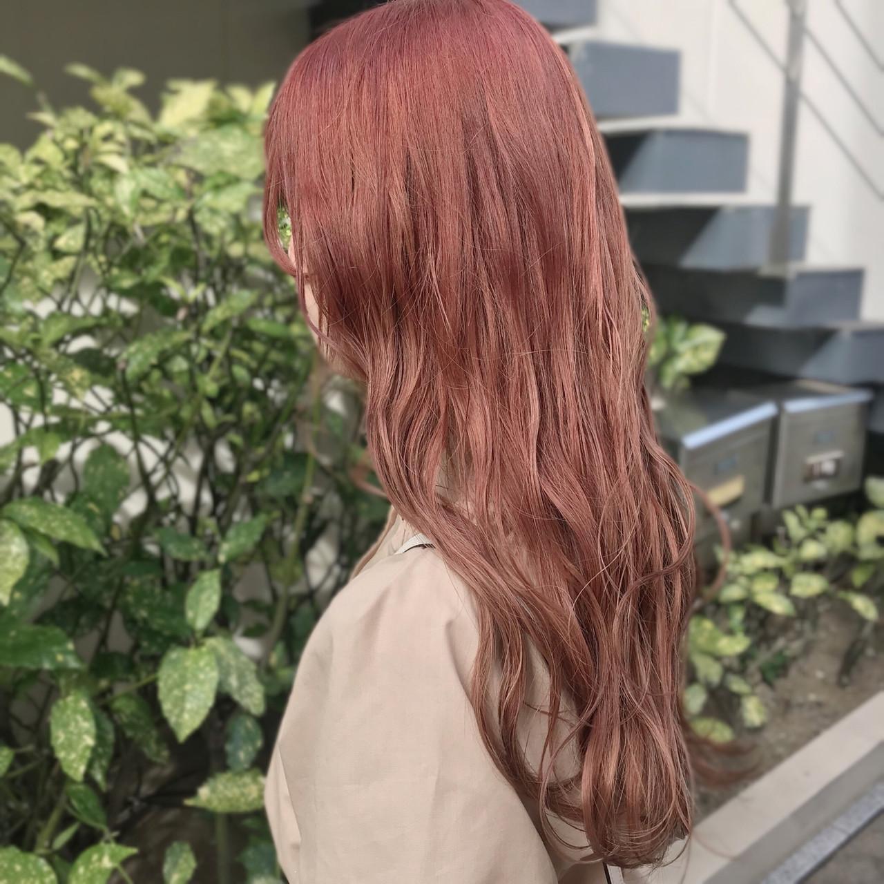 ダブルカラー ベージュカラー ガーリー ハイトーン ヘアスタイルや髪型の写真・画像