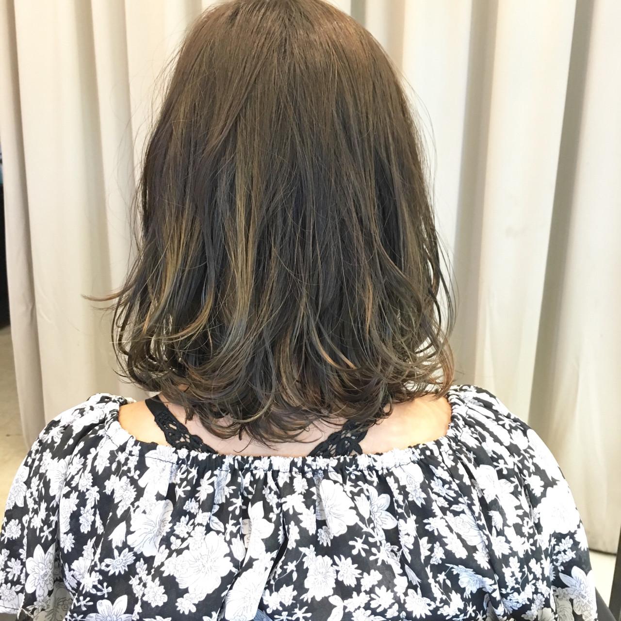 ストリート ミディアム アッシュ 外国人風 ヘアスタイルや髪型の写真・画像