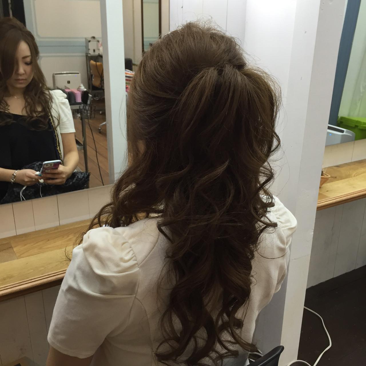 巻き髪 セミロング ヘアアレンジ ハーフアップ ヘアスタイルや髪型の写真・画像
