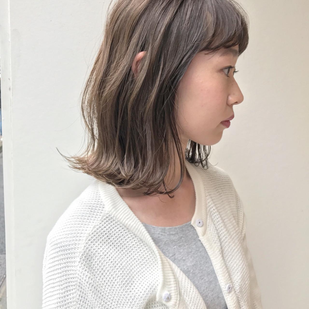 ミディアム ボブ 外ハネ ロブ ヘアスタイルや髪型の写真・画像