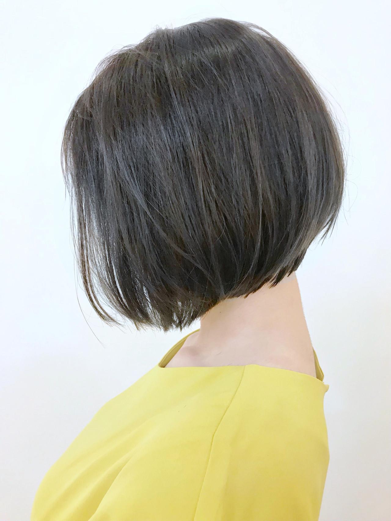 グレーアッシュ ショートボブ 切りっぱなしボブ ショートヘア ヘアスタイルや髪型の写真・画像