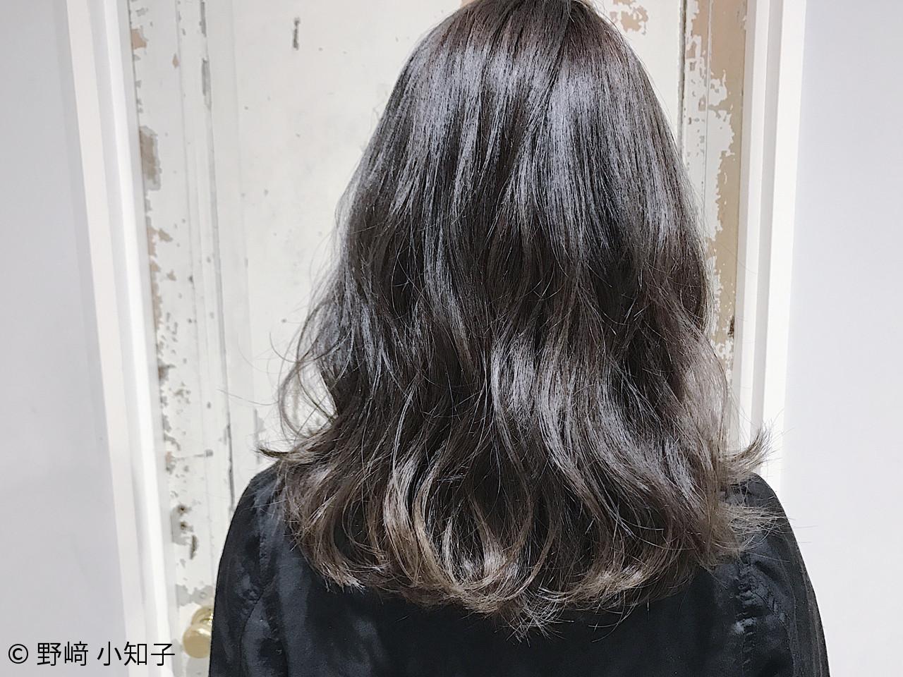 モード ブルージュ 黒髪 グラデーションカラー ヘアスタイルや髪型の写真・画像   野﨑 小知子 / CACINA TOKYO