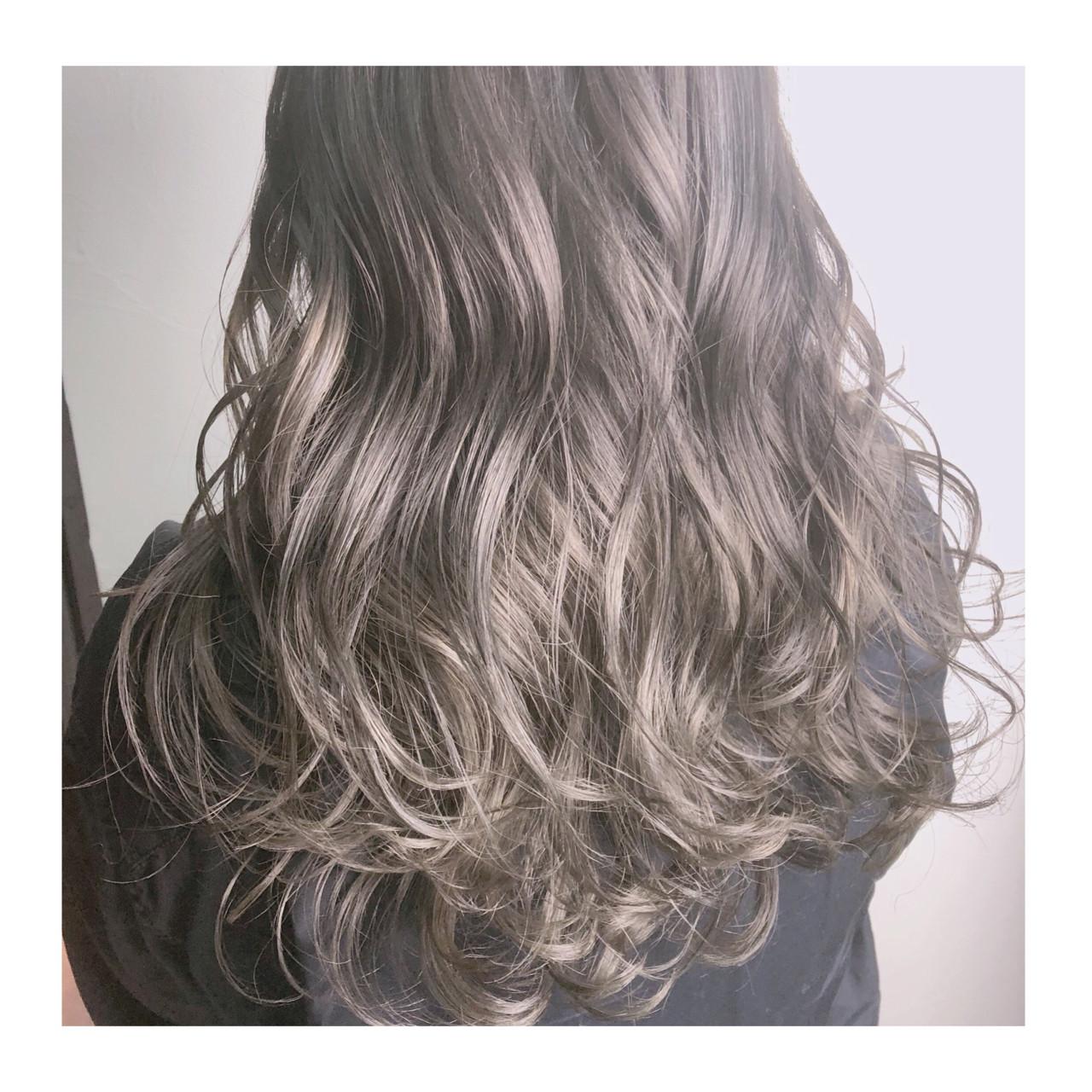 グレージュ アッシュグレージュ セミロング 外国人風カラー ヘアスタイルや髪型の写真・画像