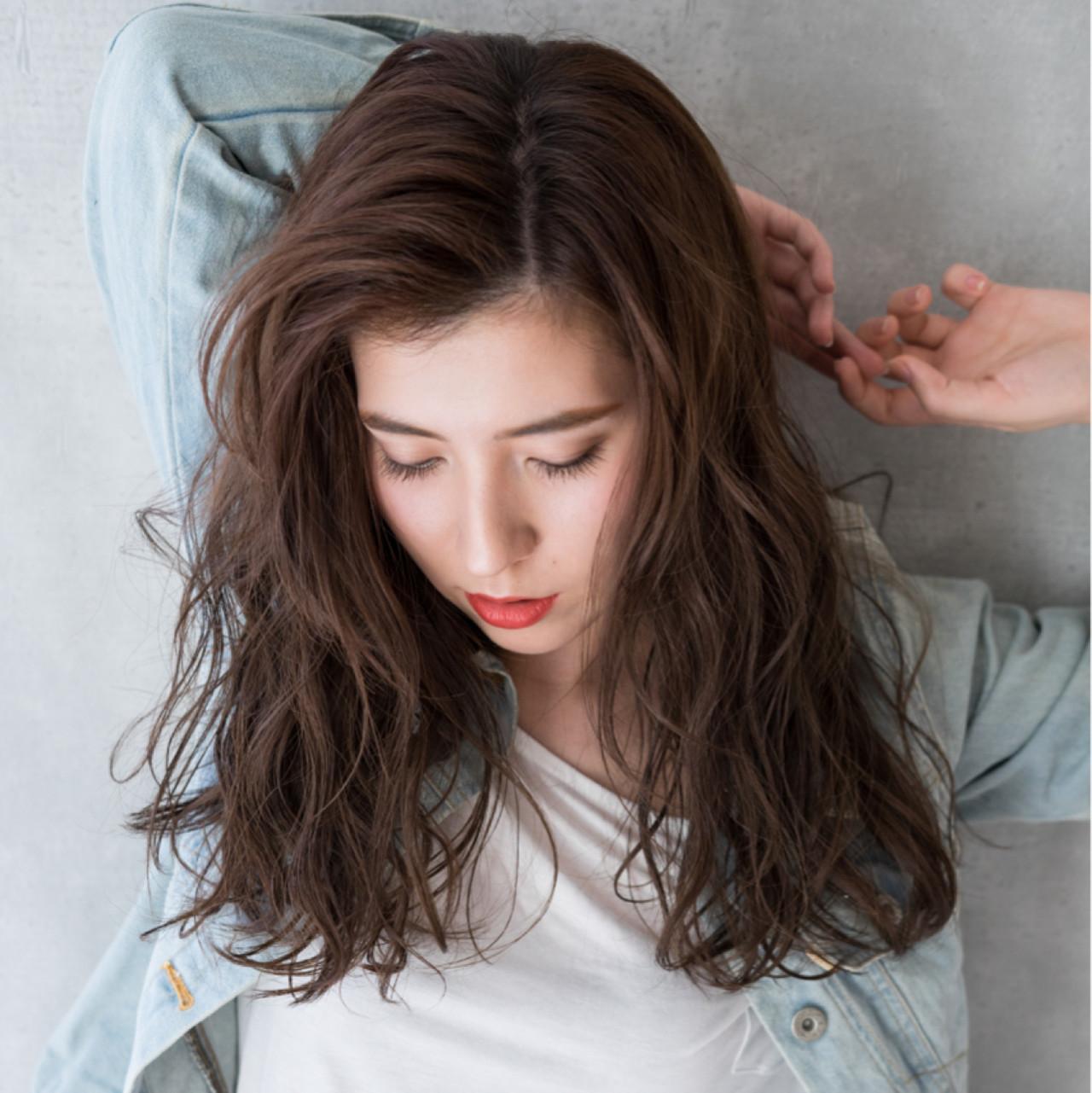かき上げ前髪 ロング 前髪あり ストリート ヘアスタイルや髪型の写真・画像