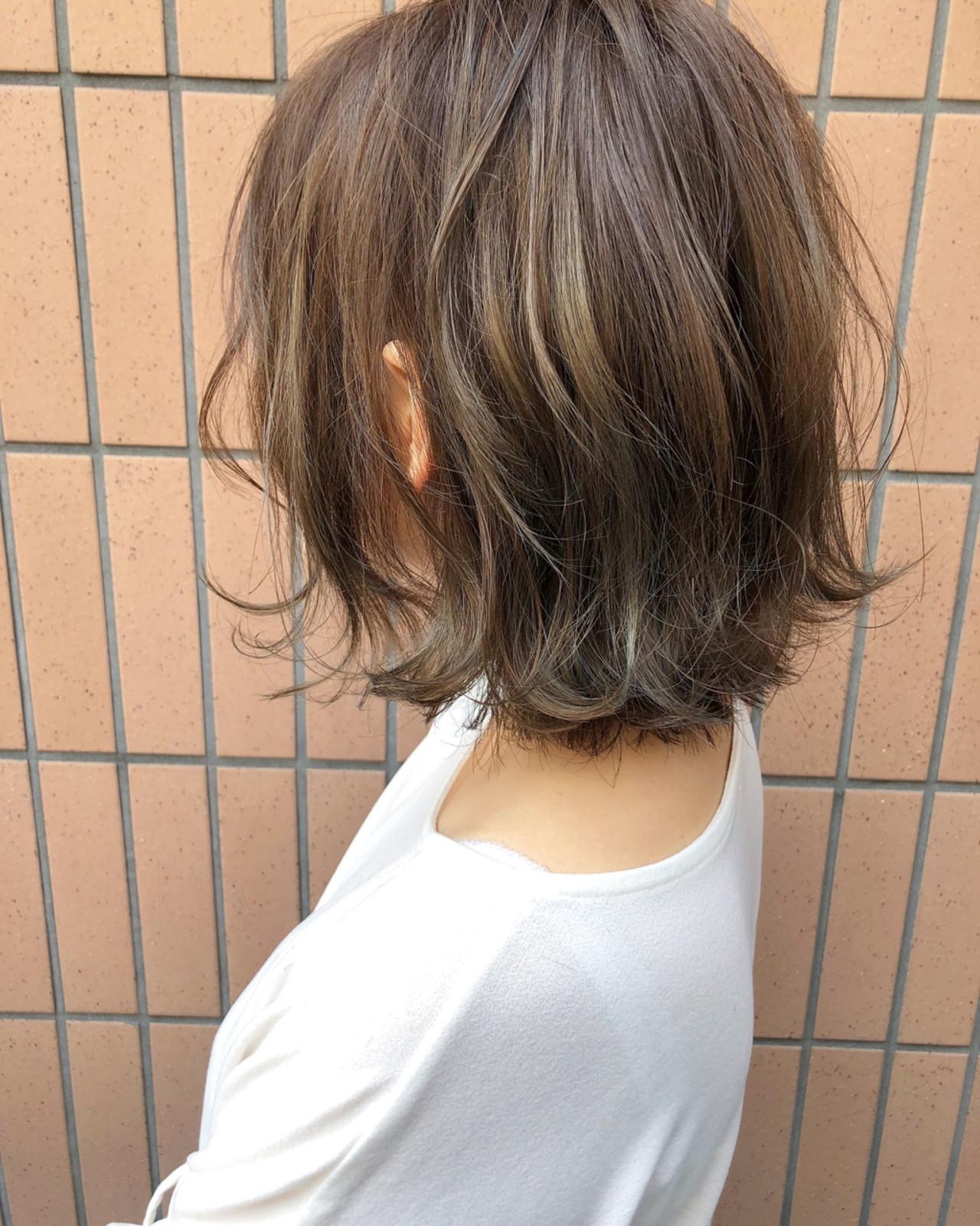 外国人風カラー グレージュ ハイライト ボブ ヘアスタイルや髪型の写真・画像