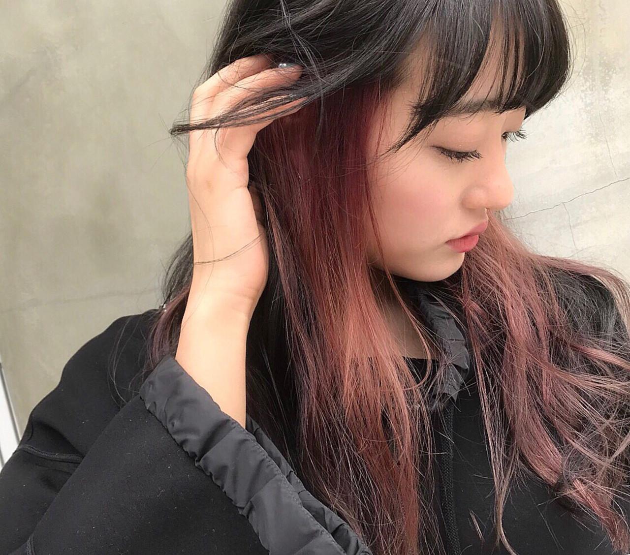 【ピンクベージュのインナーカラー】??✨    【instagram】 @makiyama56 @chobii.official   【新規様限定】 カット+カラー+シルキーアクアTR  ¥7900 カラー+シルキーアクアTR ¥5250 ...,etc  外国人風、大人可愛い、ナチュラル、やり過ぎずシンプル過ぎないほんのりトレンドもおさえたスタイルならお任せください✨   いままでなかなか思い通りのヘアスタイルにならなかった方、何が自分に似合うかわからない方など、しっかり丁寧にカウンセリングさせて頂いて施術しますのでお任せ下さい✨     カラーもロング料金などはありません☀️ お得な期間限定のメニューも充実しています✨ 予約優先になりますのでご予約はお早めをオススメします!  TEL 0364471680   web予約↪︎ https://beauty.hotpepper.jp/smartphone/slnH000256271/stylist/T000437810/