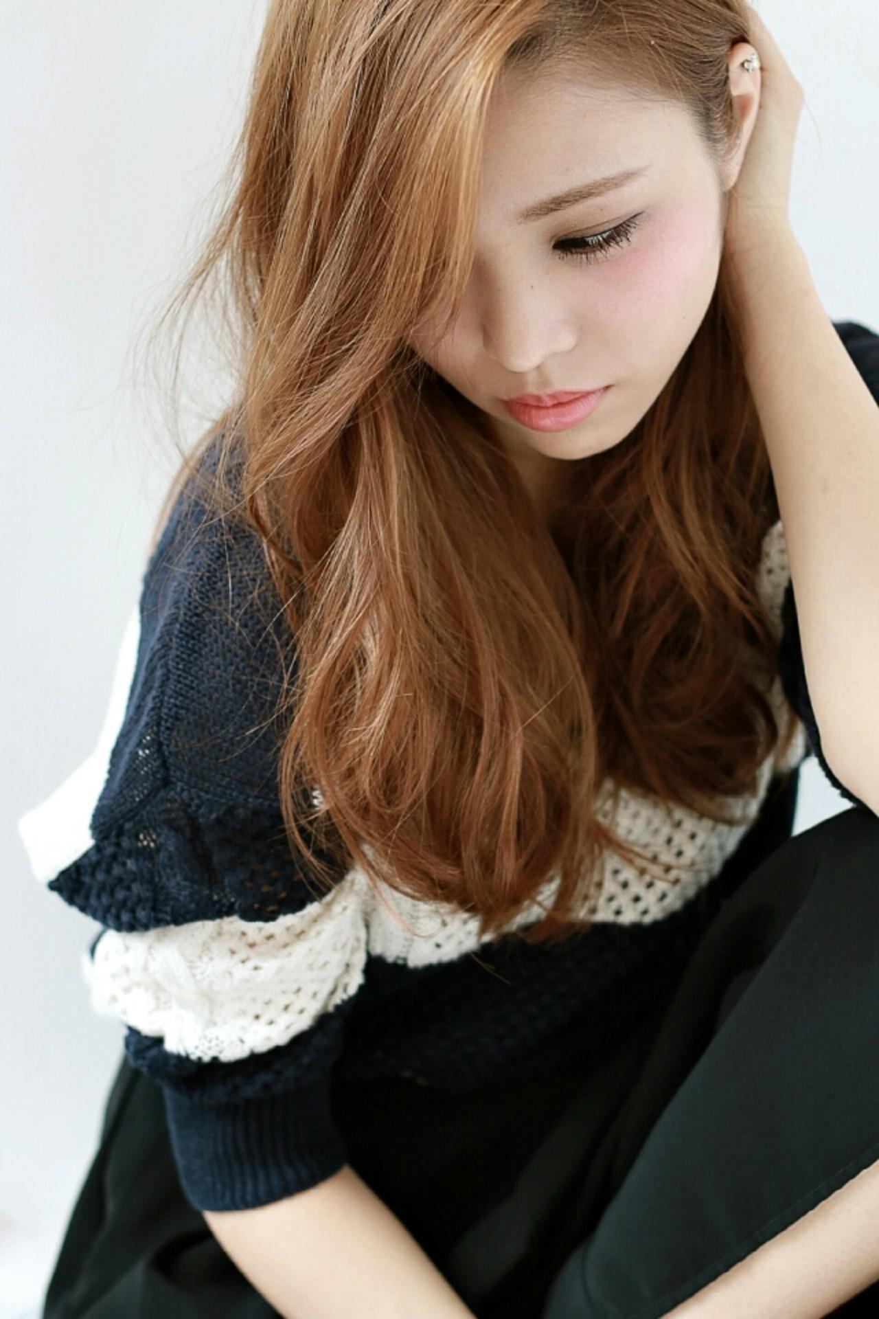 アッシュ パーマ 大人女子 コンサバ ヘアスタイルや髪型の写真・画像