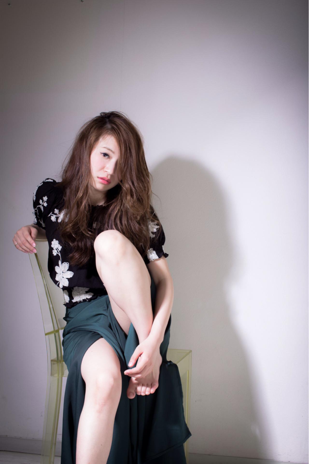 外国人風 ロング パーマ ハイライト ヘアスタイルや髪型の写真・画像 | 友田 徳政 / Hair dressing Bis!