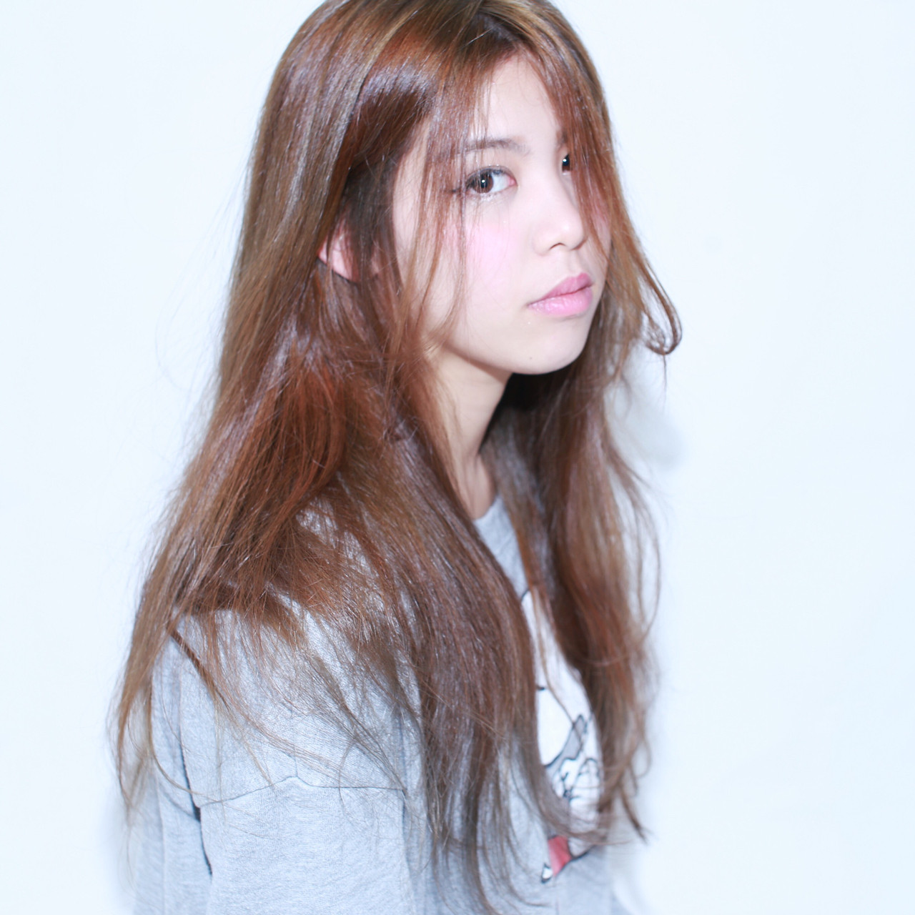 ゆるふわ ベージュ フェミニン アッシュ ヘアスタイルや髪型の写真・画像