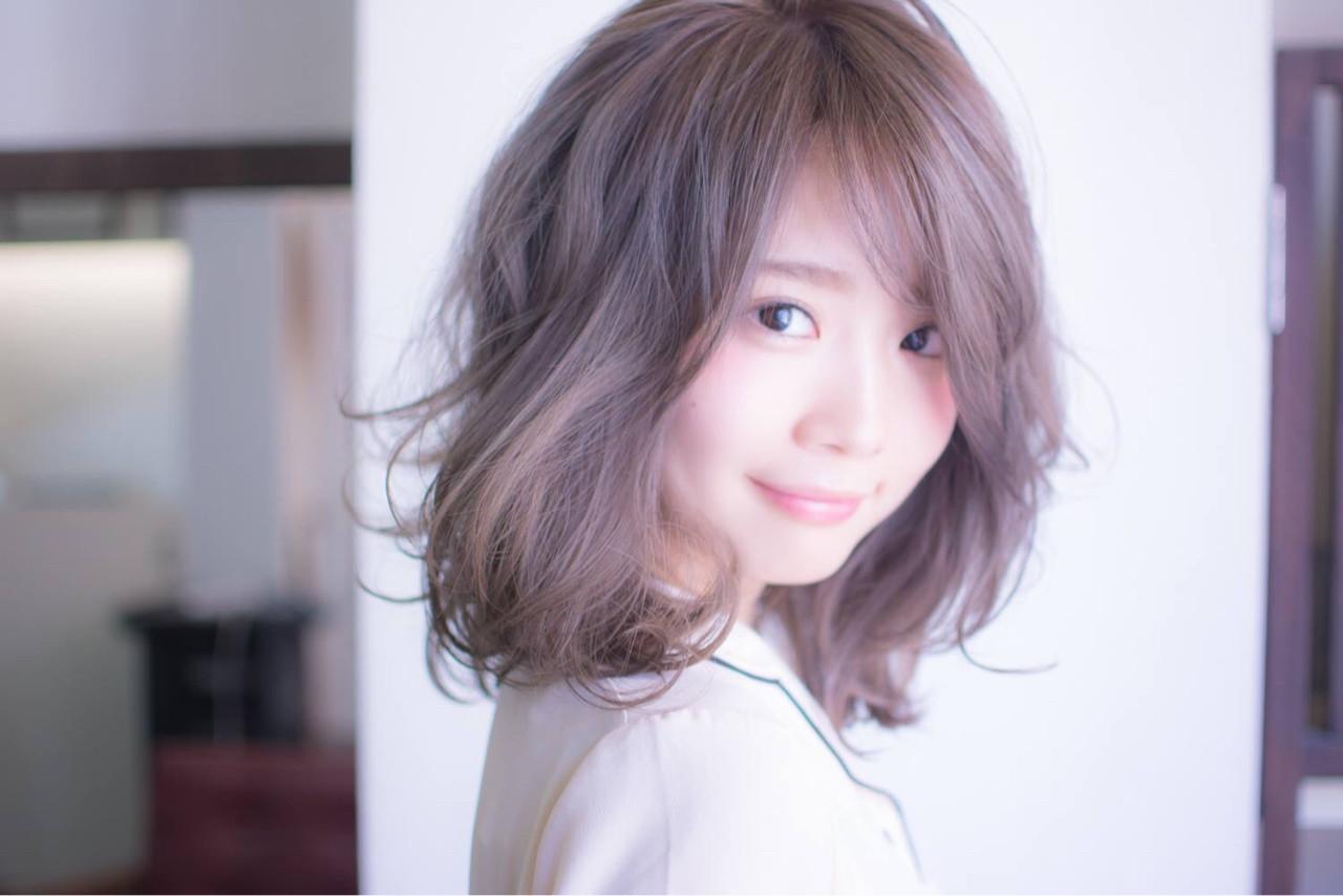 ほんのりピンクにきゅんとする。愛され「ラベンダーアッシュ」のヘアスタイルまとめ  田渕 英和/vicushair