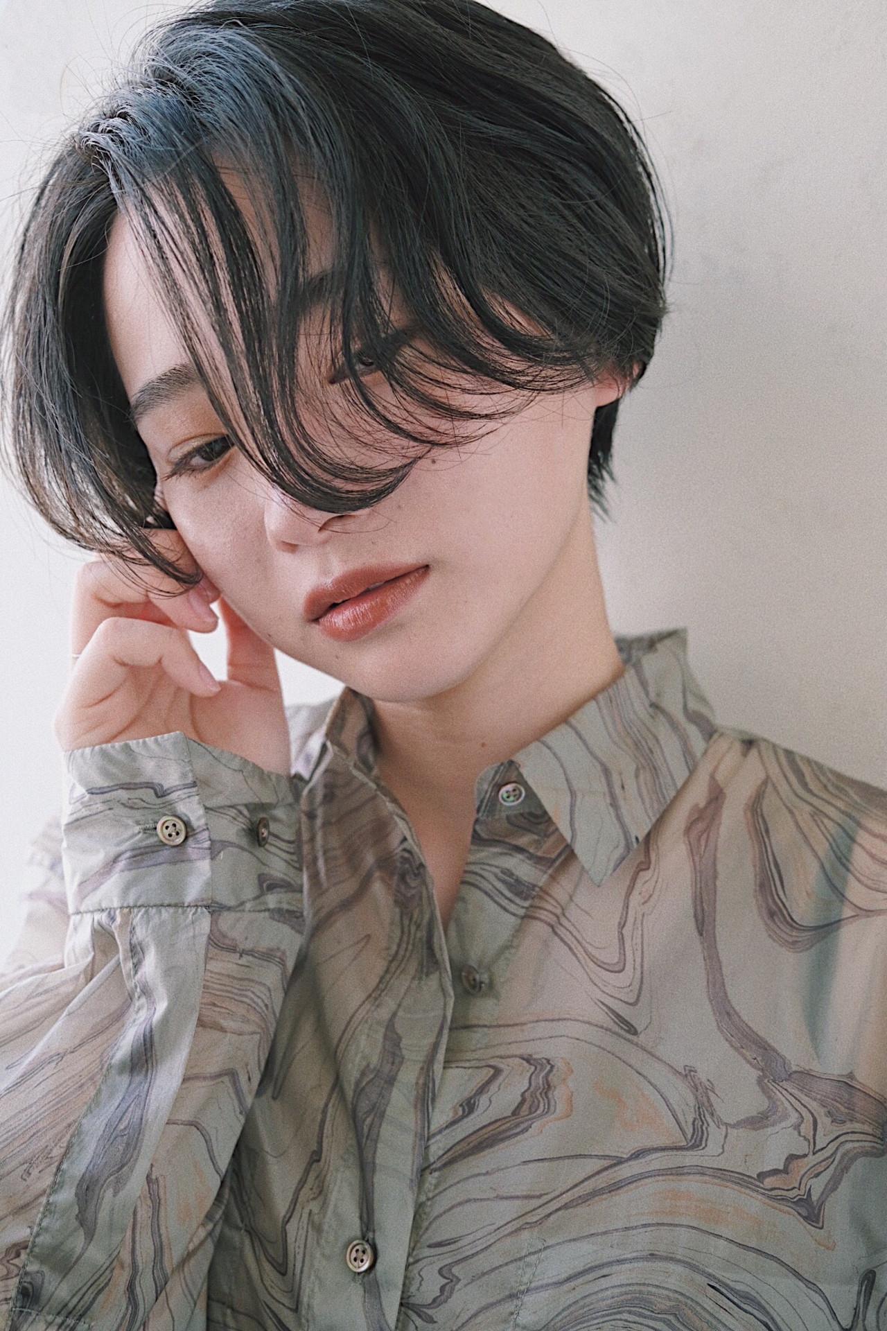 ナチュラル ショート ショートヘア ショートボブ ヘアスタイルや髪型の写真・画像   鈴木 拓人 / THOiRY