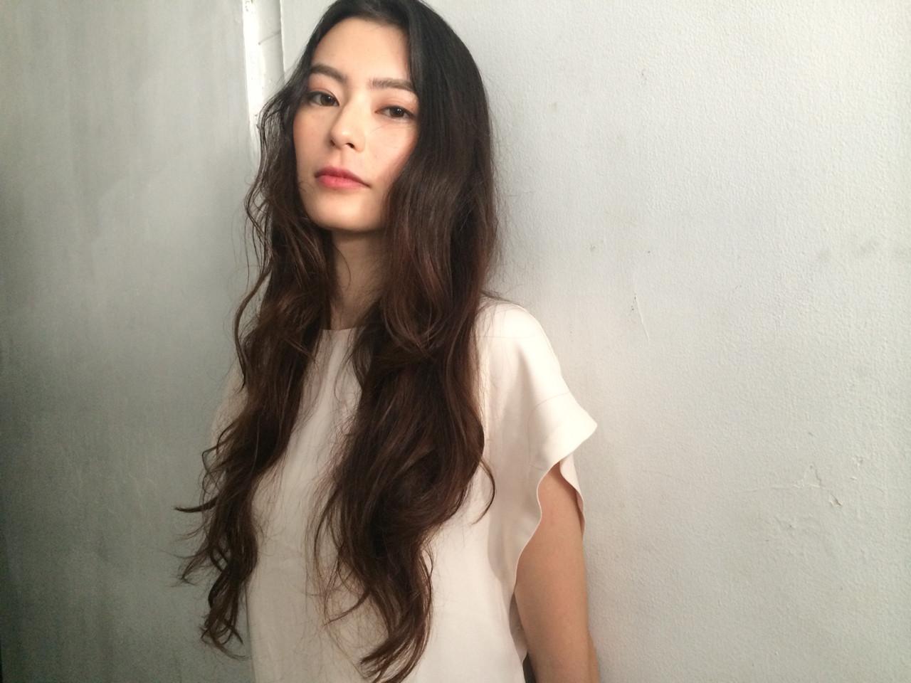 ロング モード 外国人風 暗髪 ヘアスタイルや髪型の写真・画像