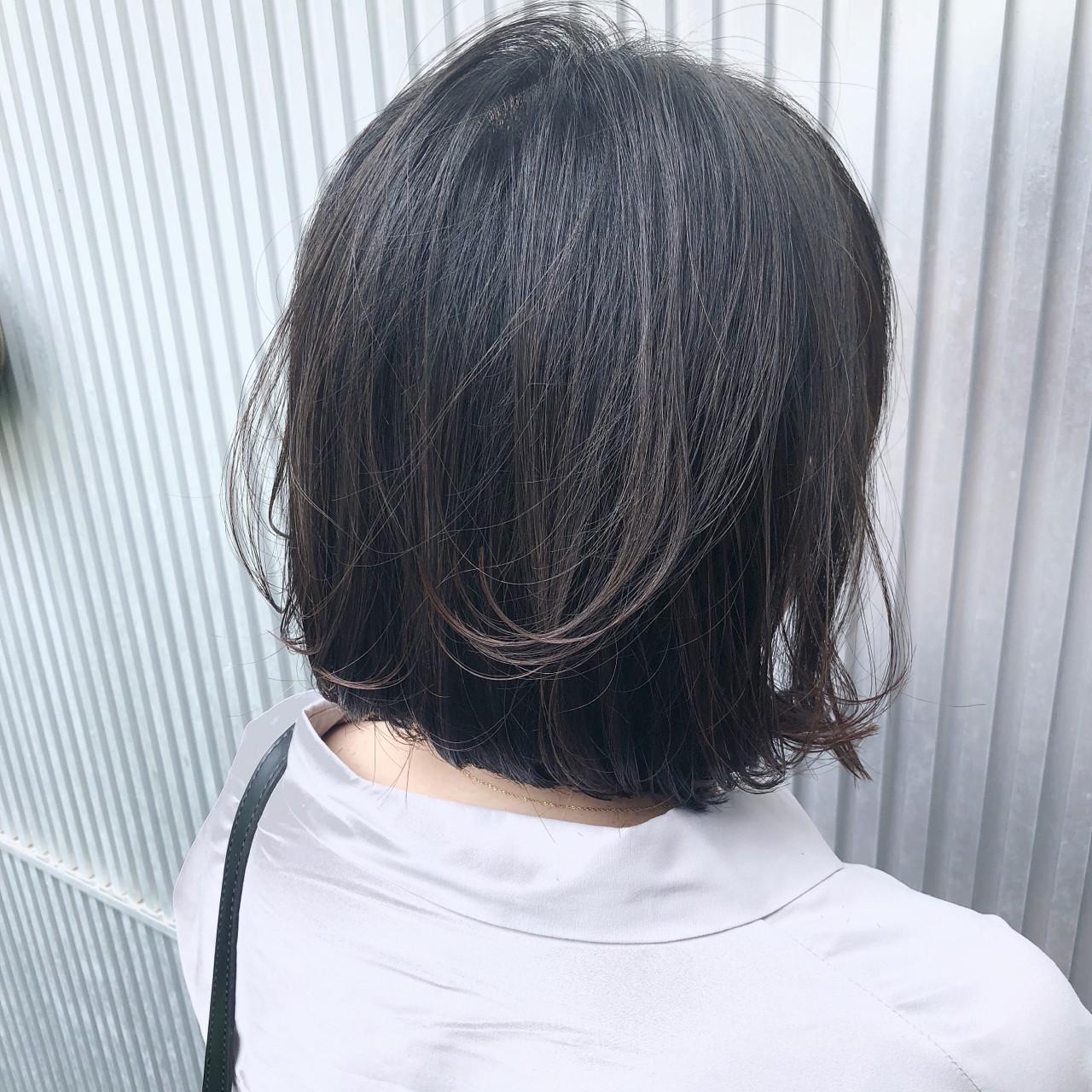 グレージュ ストレート ボブ ナチュラル ヘアスタイルや髪型の写真・画像