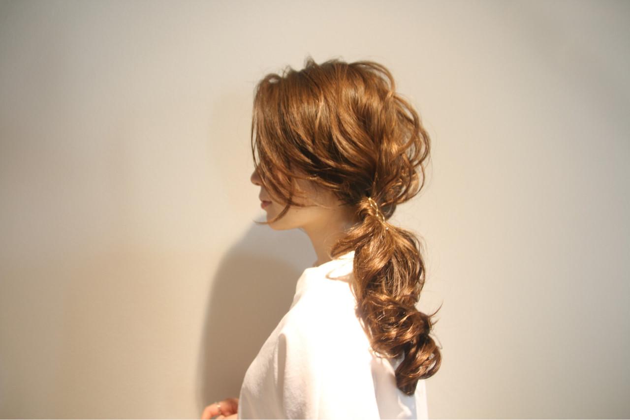 ロング フェミニン 簡単ヘアアレンジ 上品 ヘアスタイルや髪型の写真・画像   松谷 聖史 /  estrela