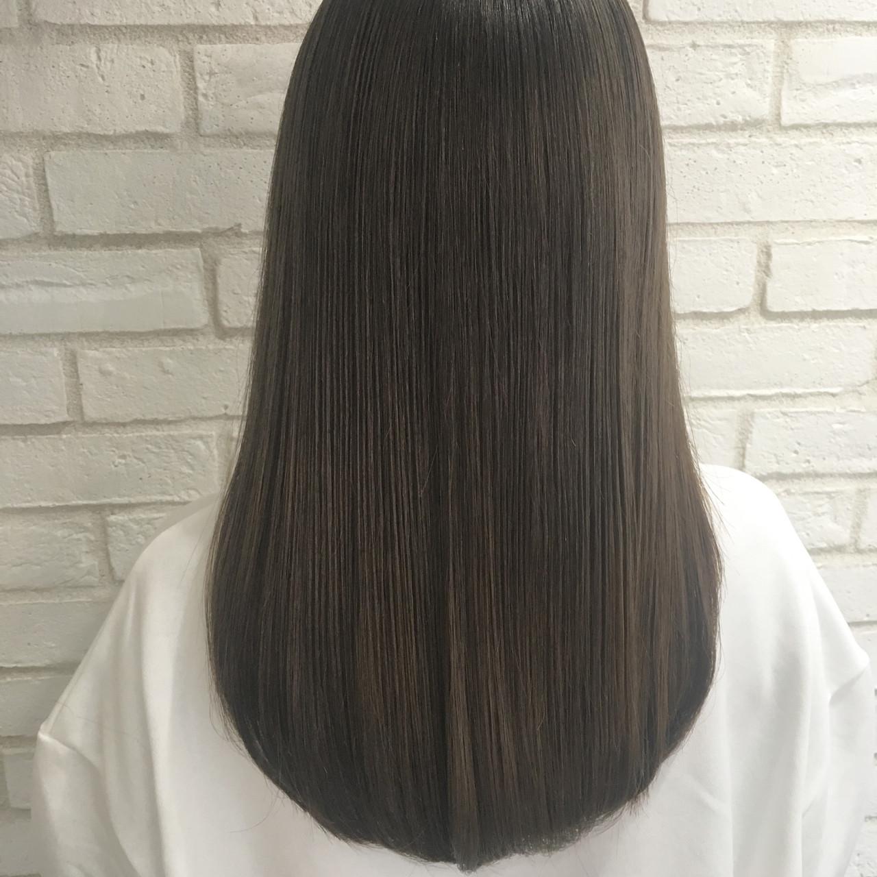 縮毛矯正 艶髪 セミロング ナチュラル ヘアスタイルや髪型の写真・画像