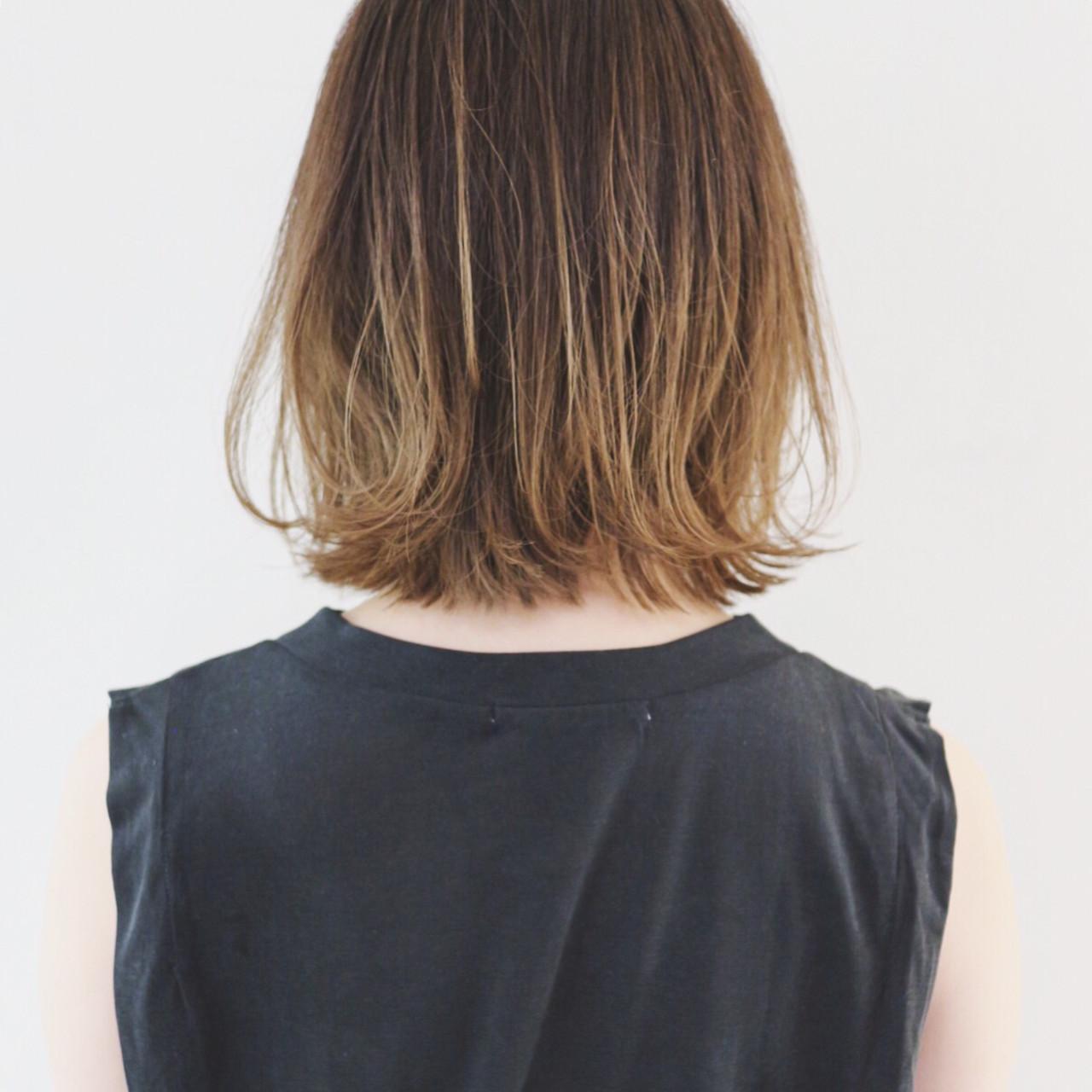 ボブ デート インナーカラー 外ハネボブ ヘアスタイルや髪型の写真・画像