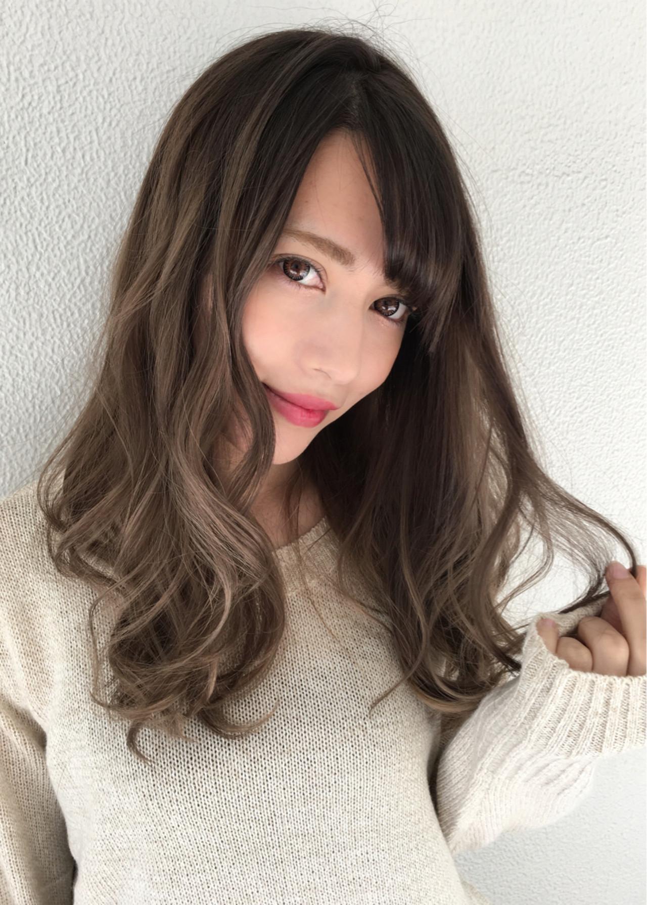 グラデーションカラー ロング リラックス ハイトーン ヘアスタイルや髪型の写真・画像