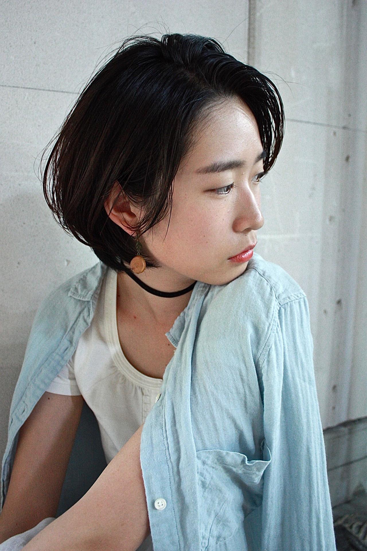 ショート 黒髪 ナチュラル 暗髪 ヘアスタイルや髪型の写真・画像   服部 巧 / LOAWe
