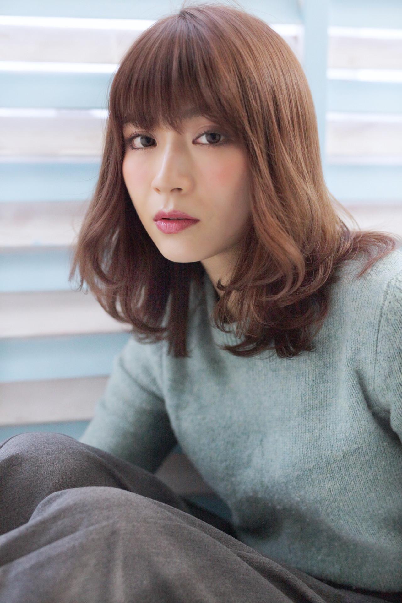 パーマ ミディアム 内巻き 外ハネ ヘアスタイルや髪型の写真・画像 | 石田 学史 / DISHEL