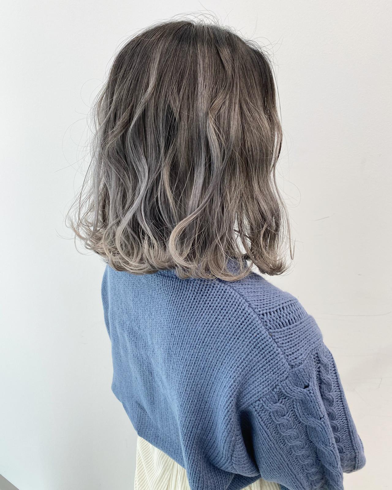バレイヤージュ ストリート グレージュ ミディアム ヘアスタイルや髪型の写真・画像   白土 諒 ALIVE kichijoji 店長 / ALIVE kichijoji