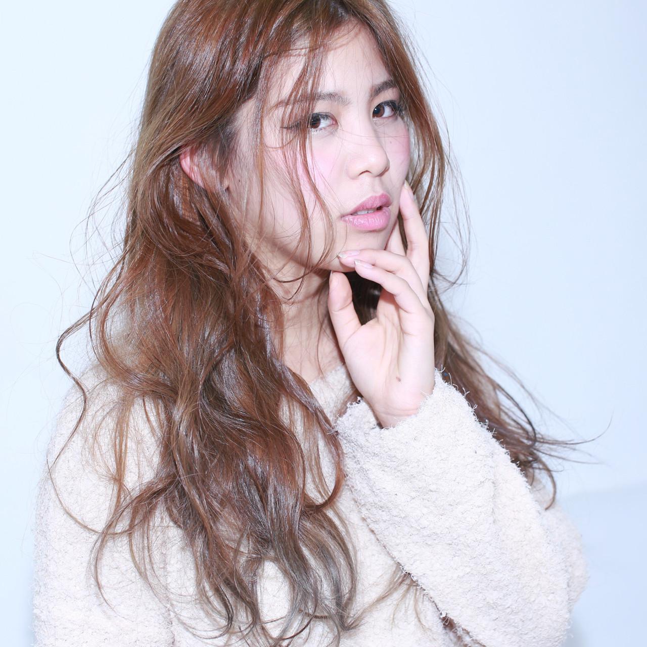 外国人風 ゆるふわ フェミニン ロング ヘアスタイルや髪型の写真・画像 | イマムラ スナオ / LUKE